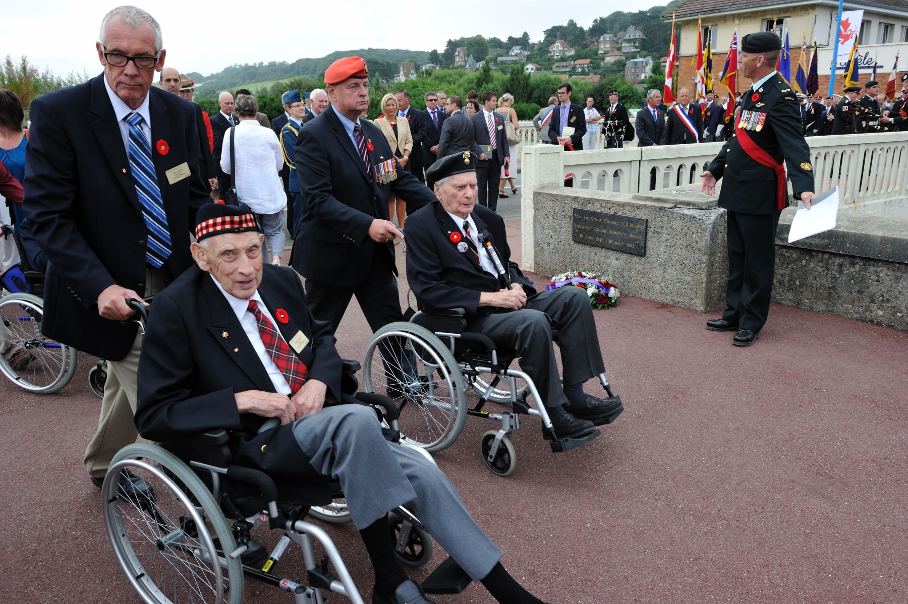 Following the ceremony at the Pourville Memorial, all the participates headed for Merritt Bridge.