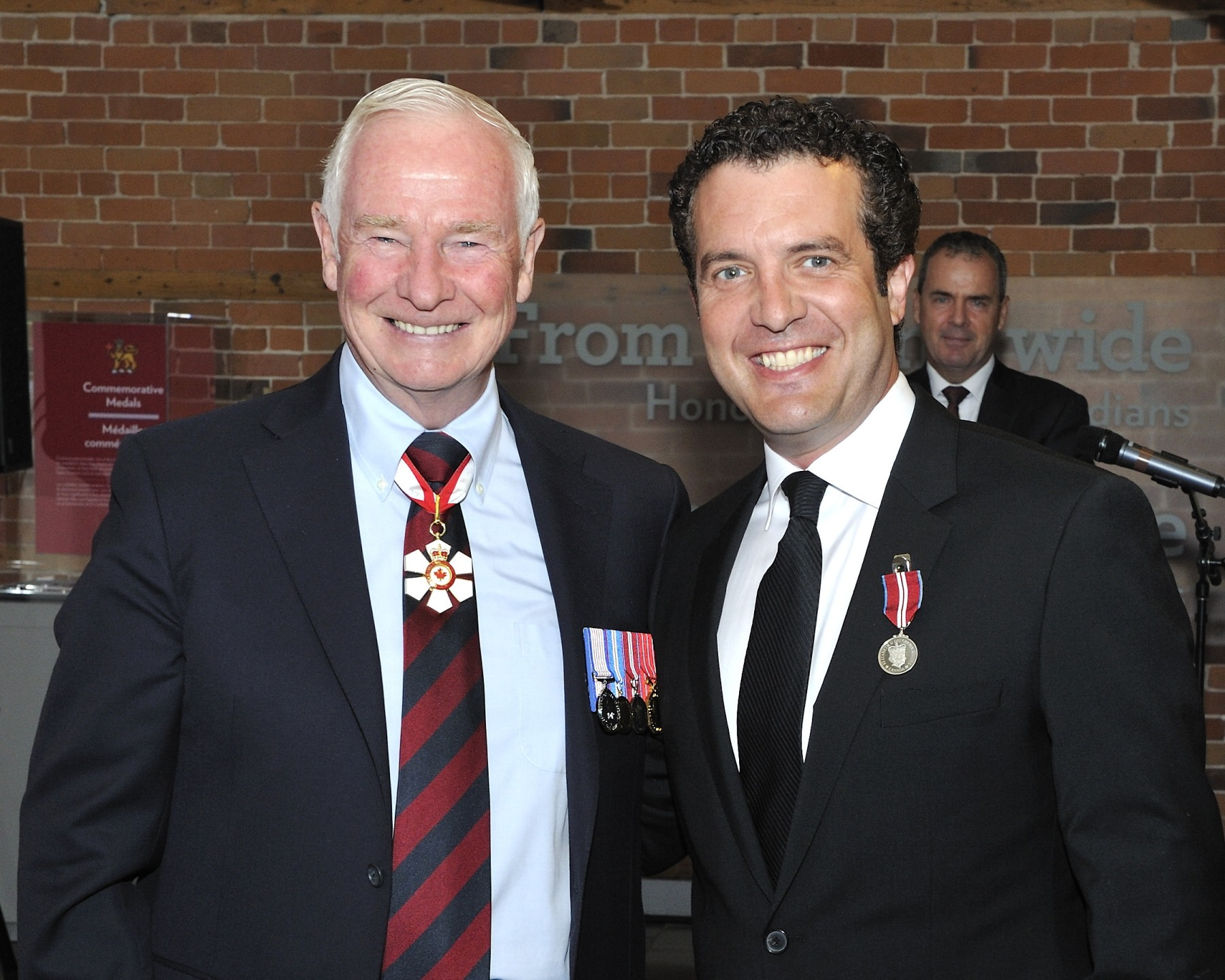 Rick Mercer (Toronto, Ontario), a well-known and acclaimed television personality, was recognized for his generosity to a number of causes, namely anti-bullying, the environment, and the fight against malaria in Africa.