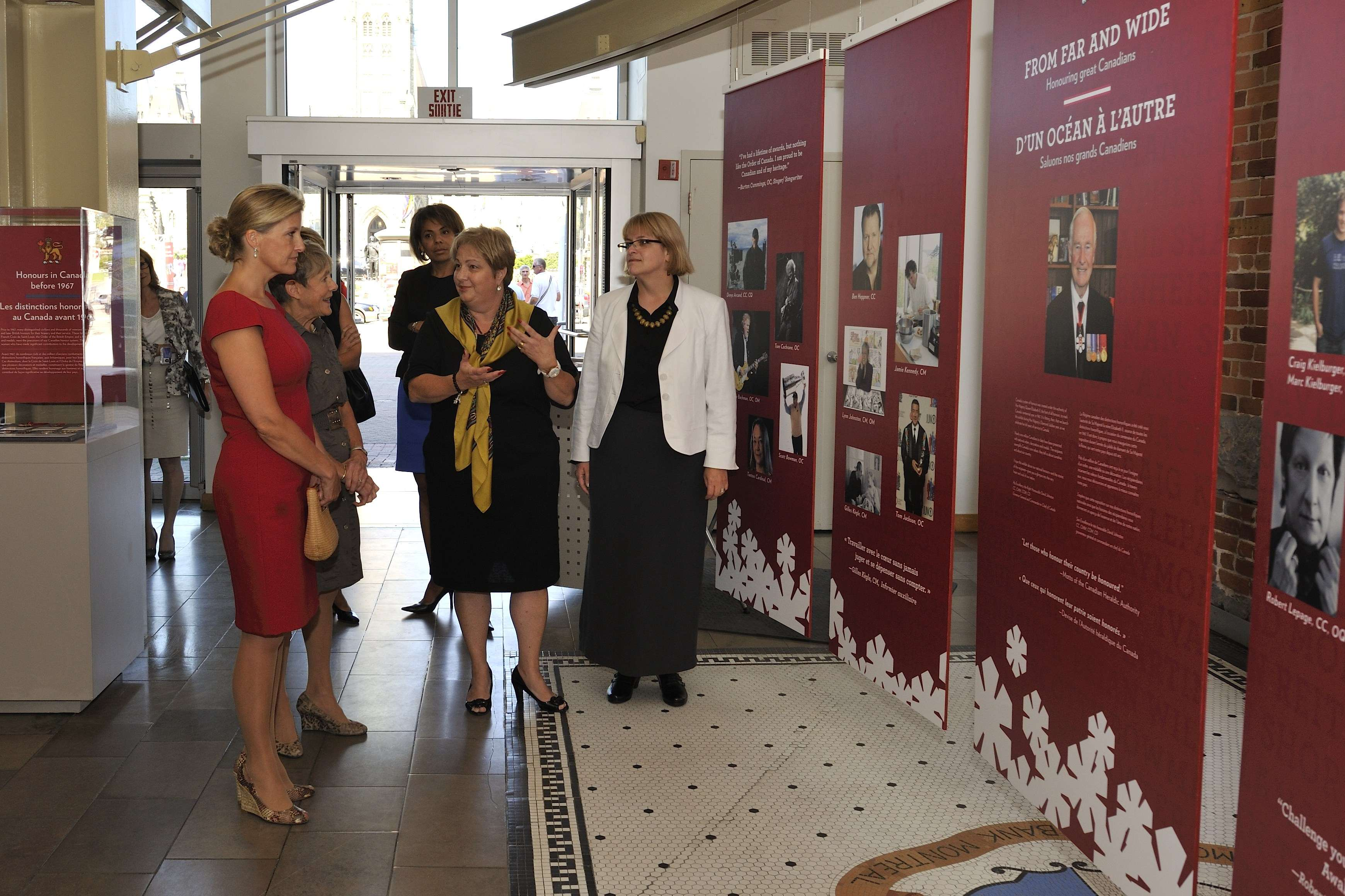 Her Excellency then accompanied Her Royal Highness for a tour of the exhibit From Far and Wide – Honouring Great Canadians. This exhibit about Canada's national honours  showcases stories of exceptional Canadians who have been recognized with the Order of Canada, Decorations for Bravery, Military Valour Decorations and other national honours.