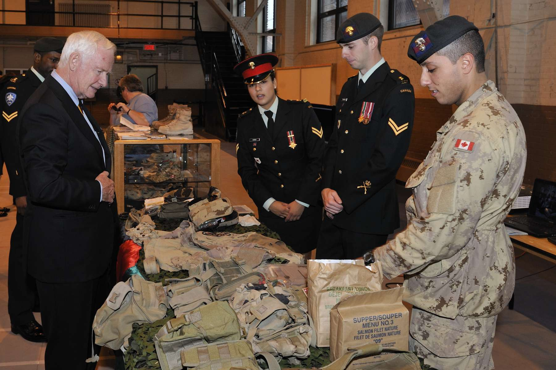 During his visit to the Canadian Grenadier Guards Armoury, His Excellency met with some of it members who were deployed overseas.
