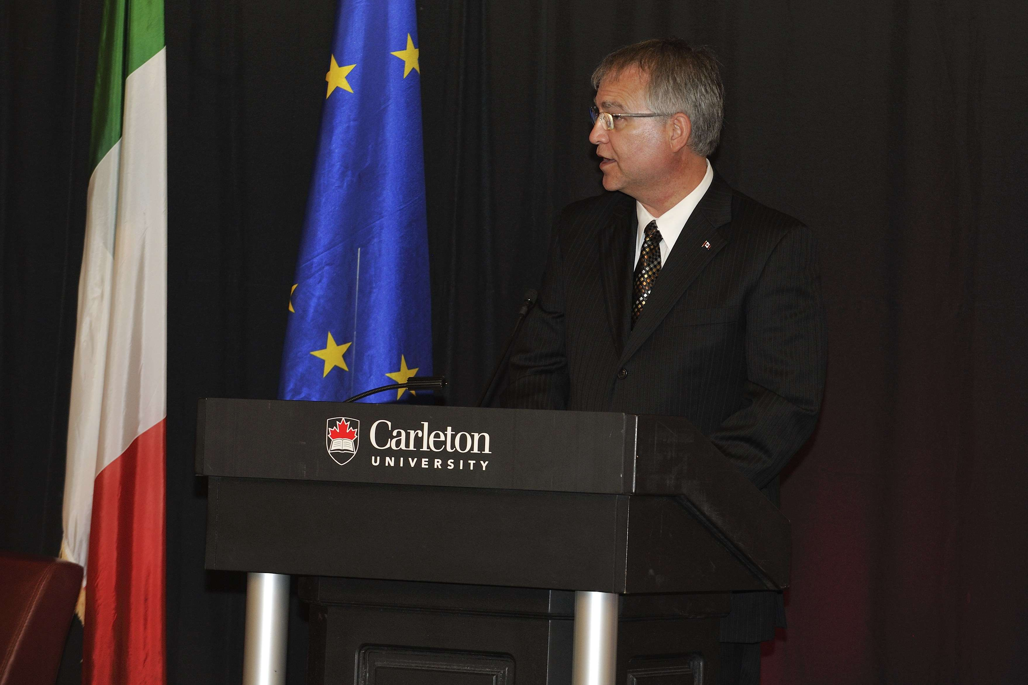 The Honourable Gary Goodyear, Minister of State (Science and Technology), delivered remarks.