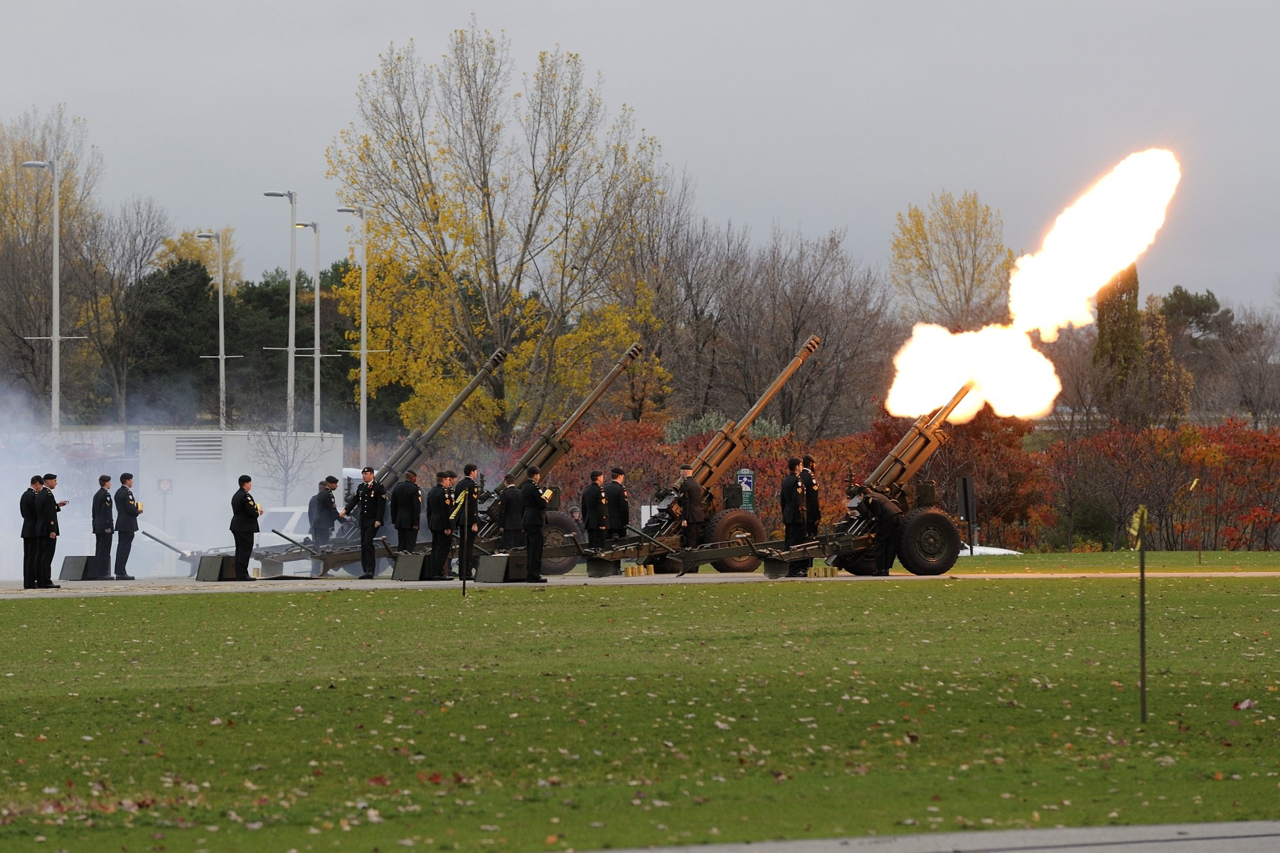 A 21-gun salute was fired during the royal salute.