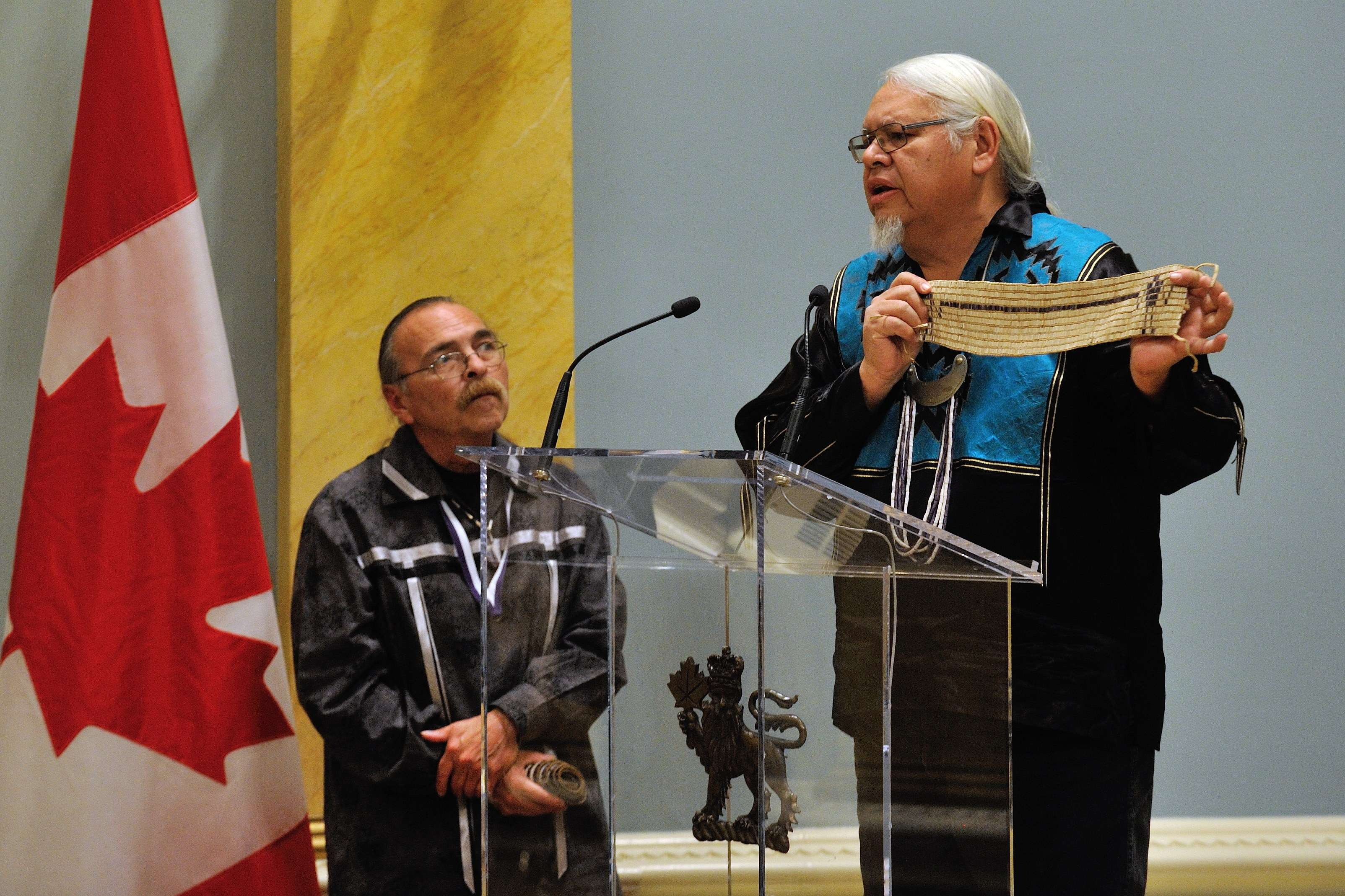 Mr. Rick Hill, of the Six Nations of the Grand River Elected Council and Haudenosaunee Confederacy ended the ceremony by speaking of the 1815 William Claus Belt.