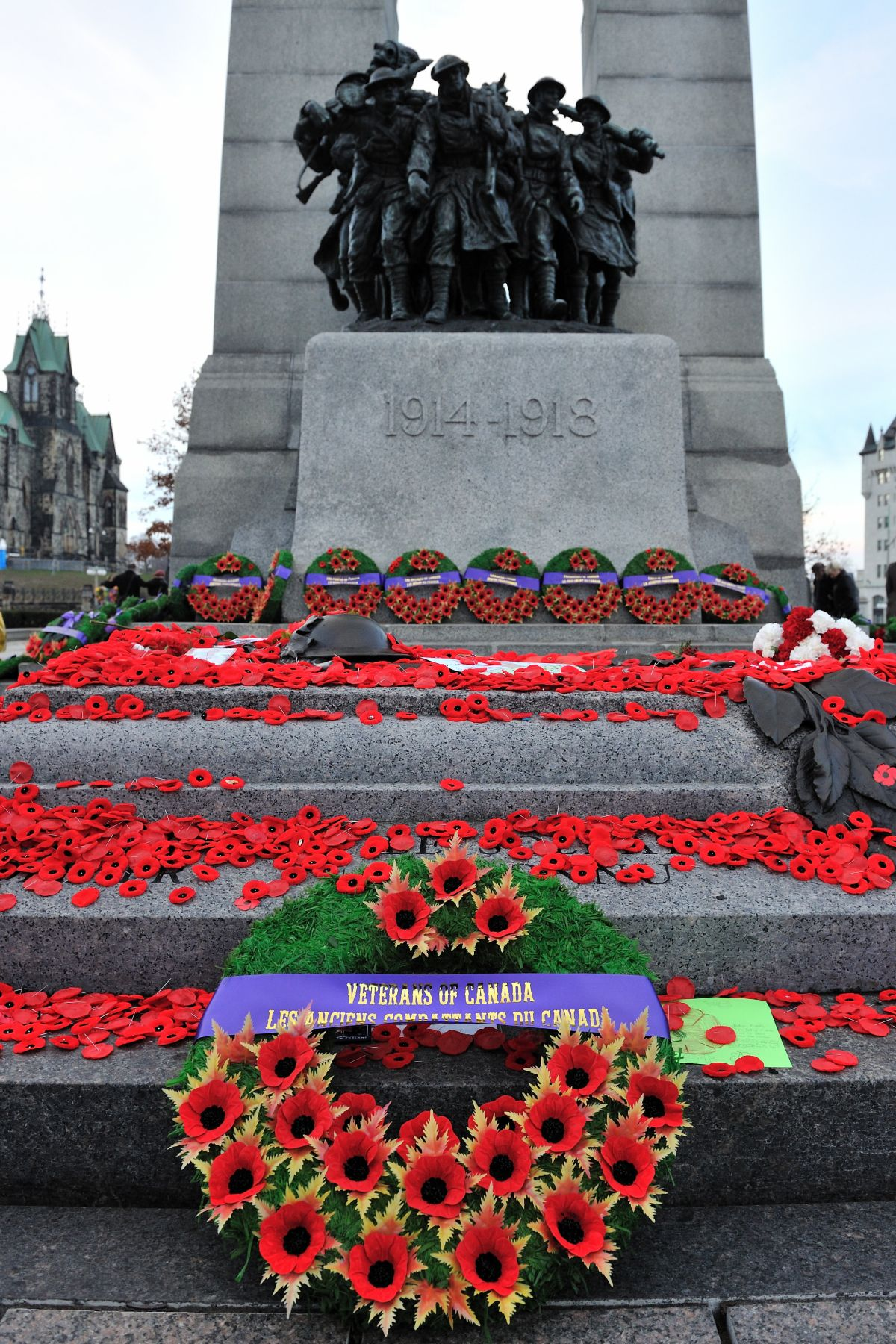 "Excerpt from the Governor General of Canada's Remembrance Day Message: ""These courageous men and women truly embody the love for one's country. It is thanks to them and to the sacrifices that they and their families have made that we are privileged to live in a free and democratic society. We owe them a tremendous debt"", said His Excellency."""