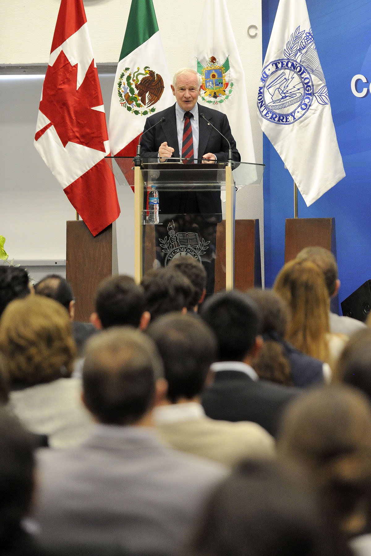 "At Tec de Monterrey, the Governor General delivered a keynote address prior to a panel discussion entitled ""The Future of Canada-Mexico Relations: How Post-Secondary-Government-Private Sector Partnerships Can Lead the Way""."