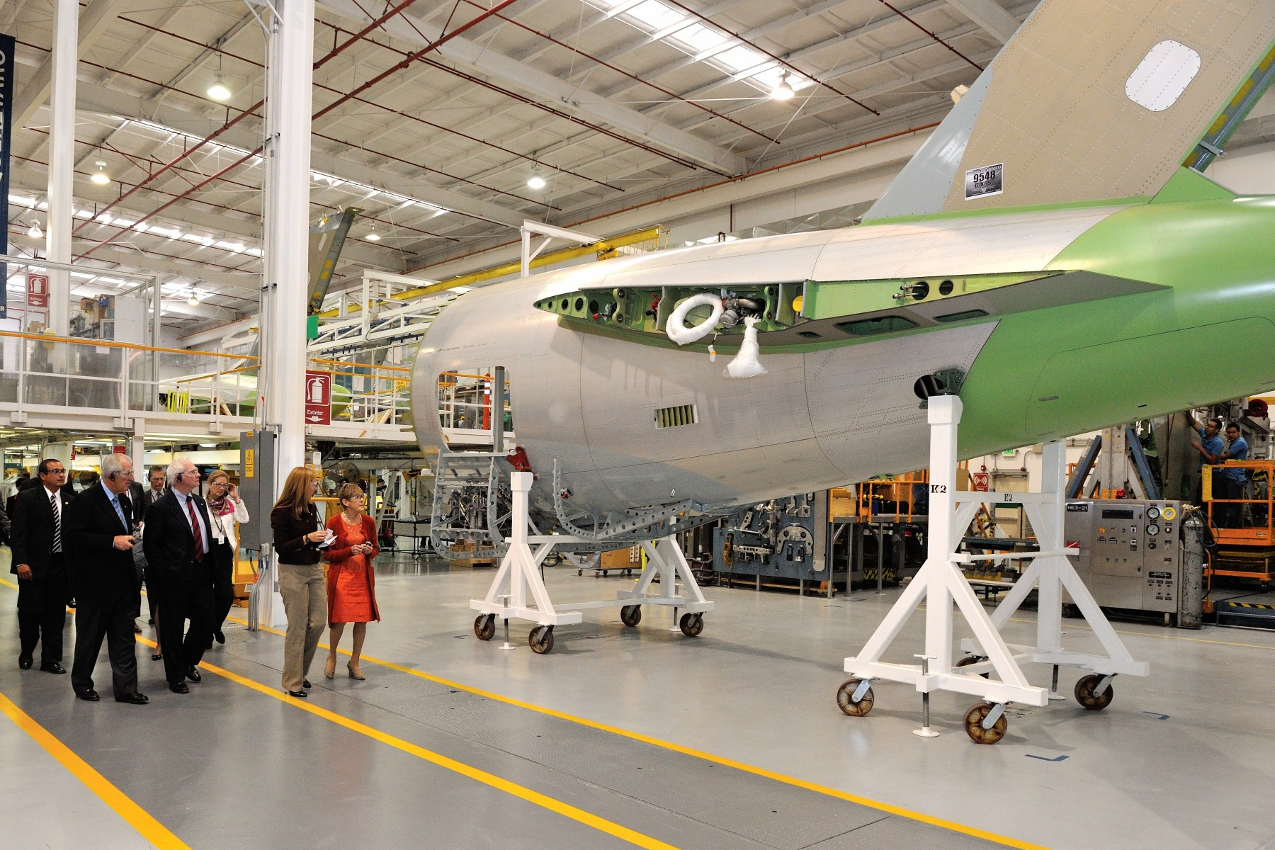 Their Excellencies and the Canadian delegation visited Bombardier Aerospace Facilities in the Querétaro Aerospace Park.