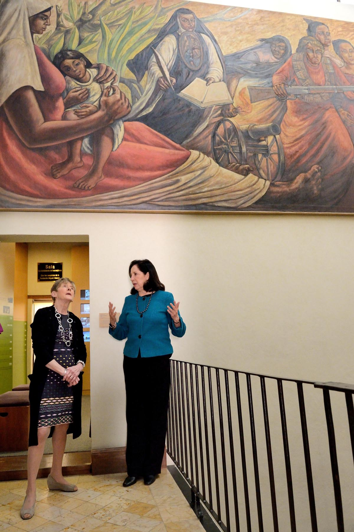 Her Excellency Sharon Johnston had the chance to visit the Museum of Women, in Mexico City. She was welcomed by Dr. Patricia Galeana, Executive Director of the museum.