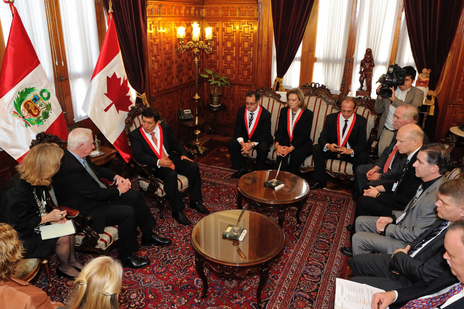 During the meeting, the Governor General discussed the strong relations between our countries as reflected in our increasing collaboration on initiatives related to education, business and innovation.