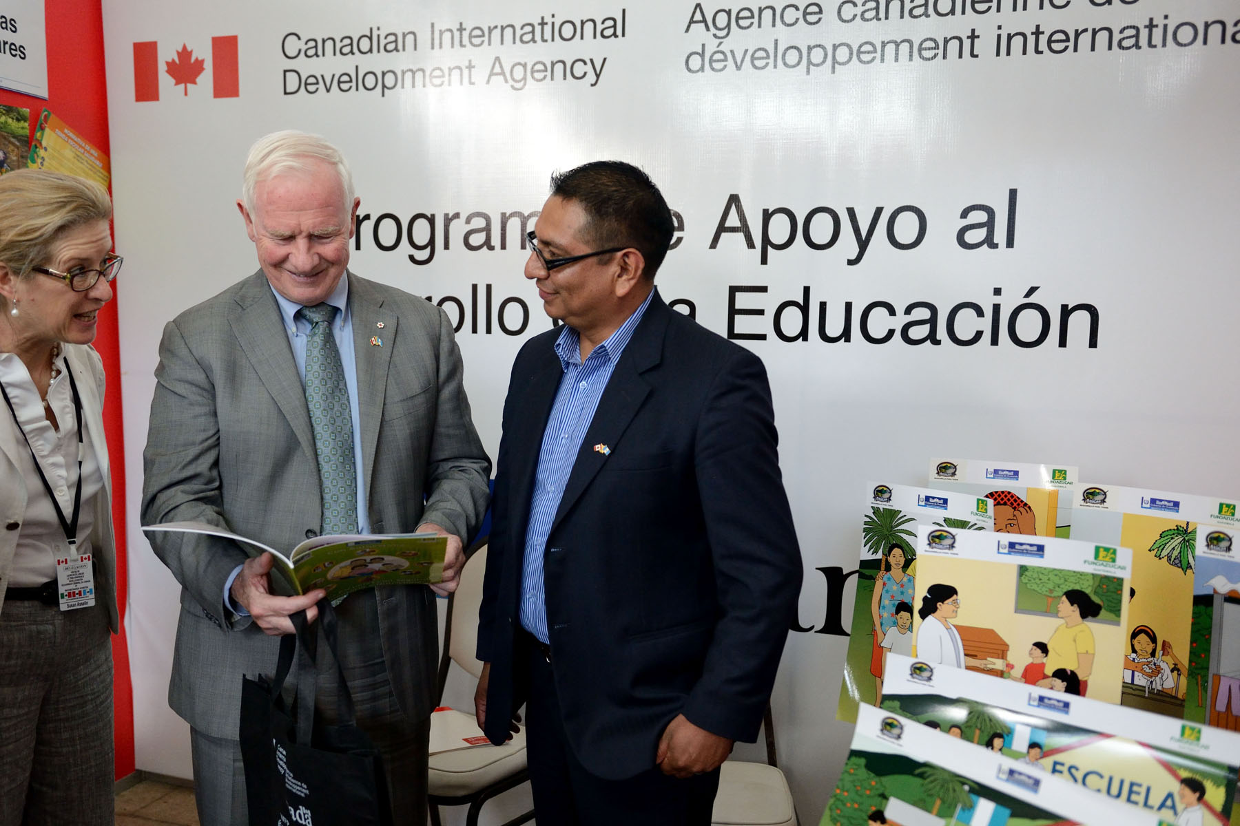 Following the discussion, His Excellency visited an exhibition of projects supported by the Government of Canada on food security, nutrition and rural development.