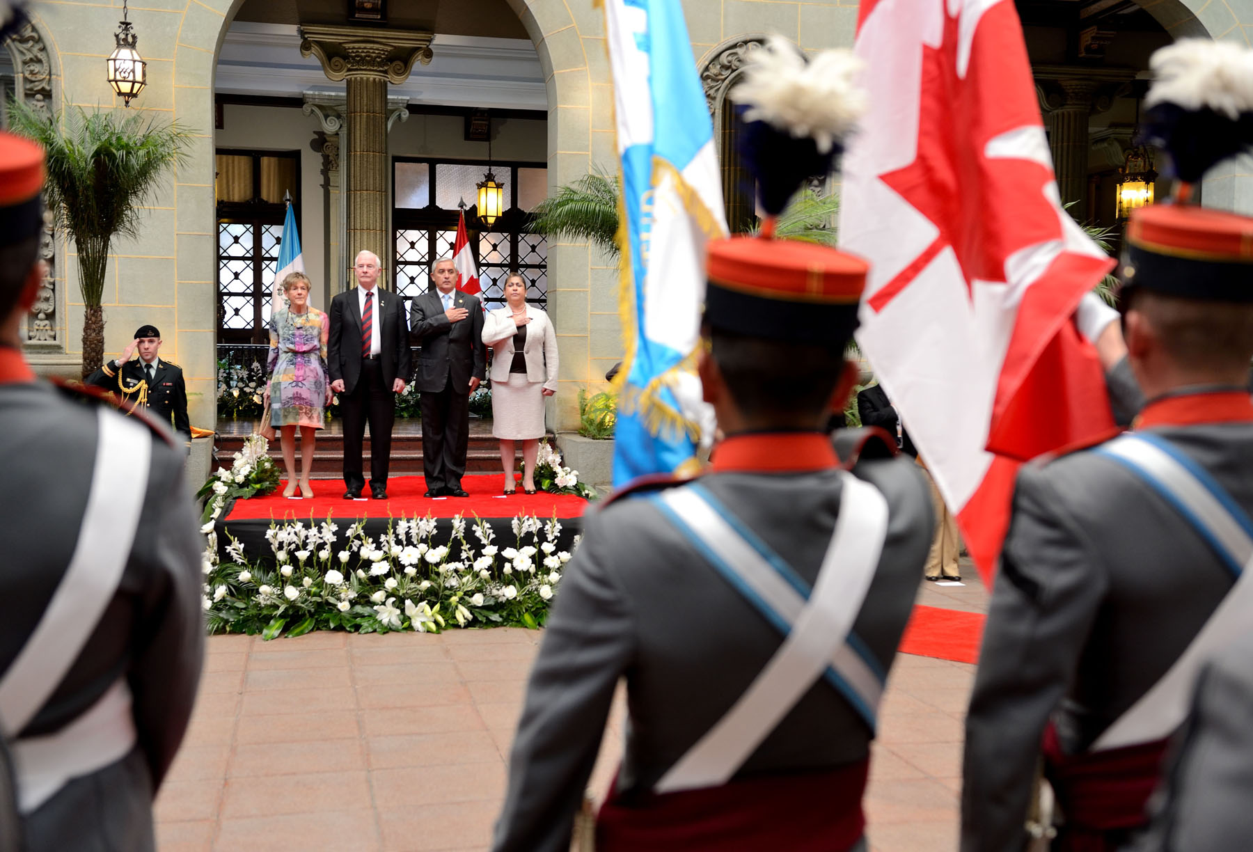During the ceremony, the Governor General received military honours.