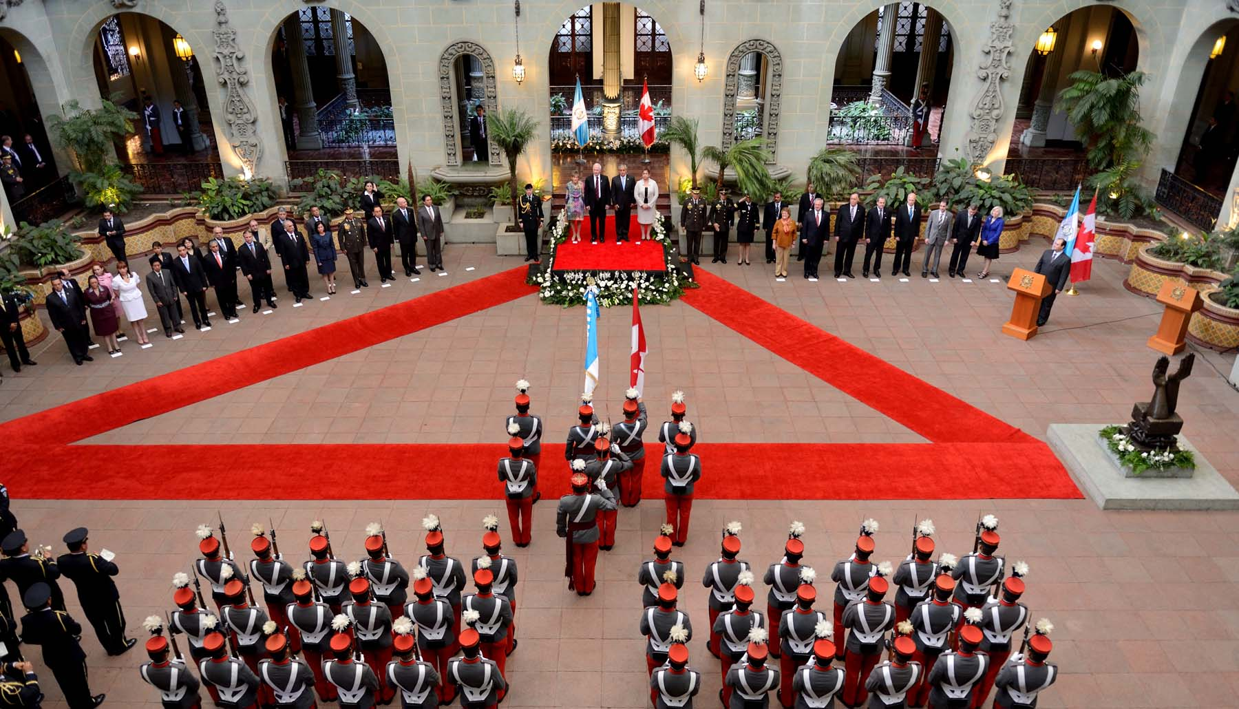The ceremony was held at National Palace, Patio de la Paz.