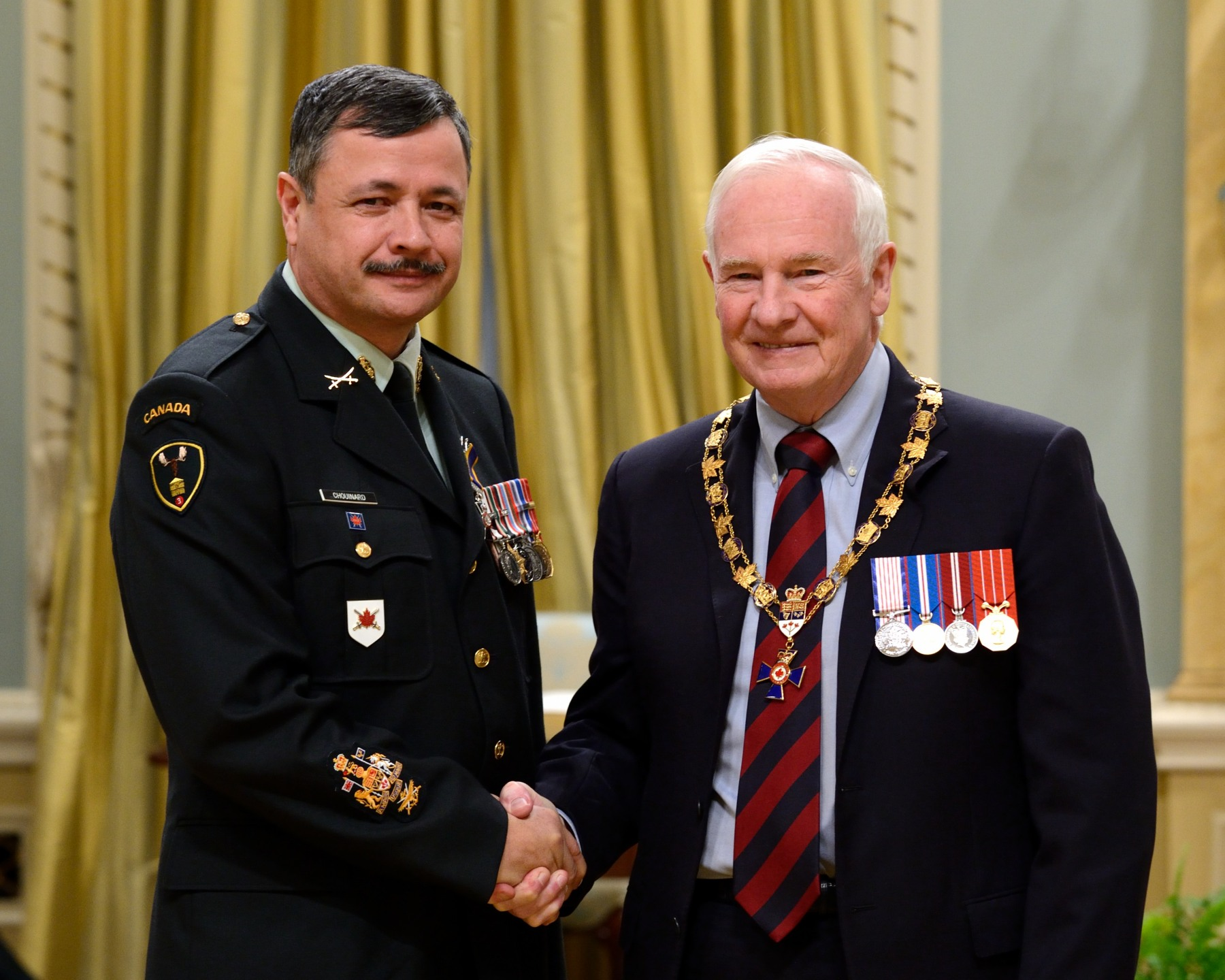 His Excellency presented the Order of Military Merit at the Member level (M.M.M.) to Chief Warrant Officer Claude Chouinard, M.M.M., C.D., Armour School (Oromocto, N.B.).