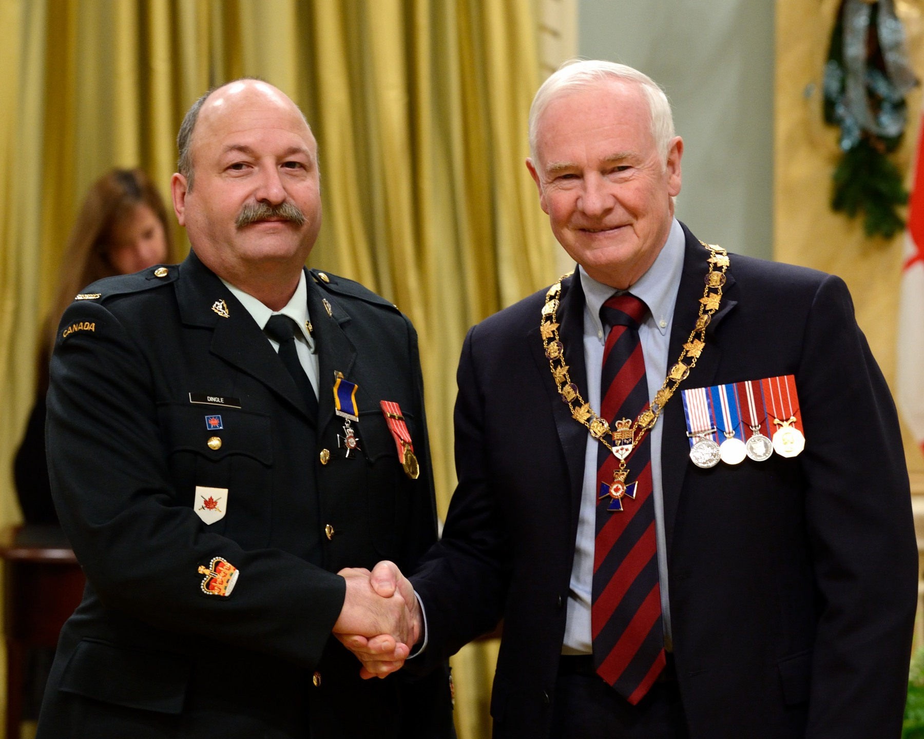 His Excellency presented the Order of Military Merit at the Member level (M.M.M.) to Warrant Officer Peter Dingle, M.M.M., C.D., Land Force Area Training Centre Detachment Aldershot (Kentville, N.S.).