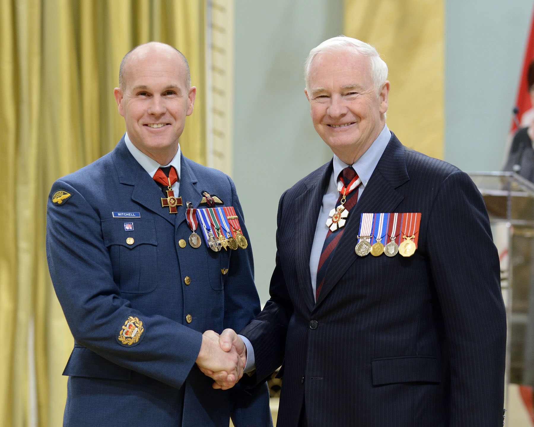 Master Warrant Officer Keith Paul Mitchell, C.V., M.S.M., C.D. (LaSalle, Quebec and Kentville, Nova Scotia), is one of only 20 Canadians to have been awarded the Cross of Valour, Canada's highest decoration for bravery. The search and rescue technician jumped into freezing Arctic waters to provide aid to a critically ill fisherman onboard a ship.