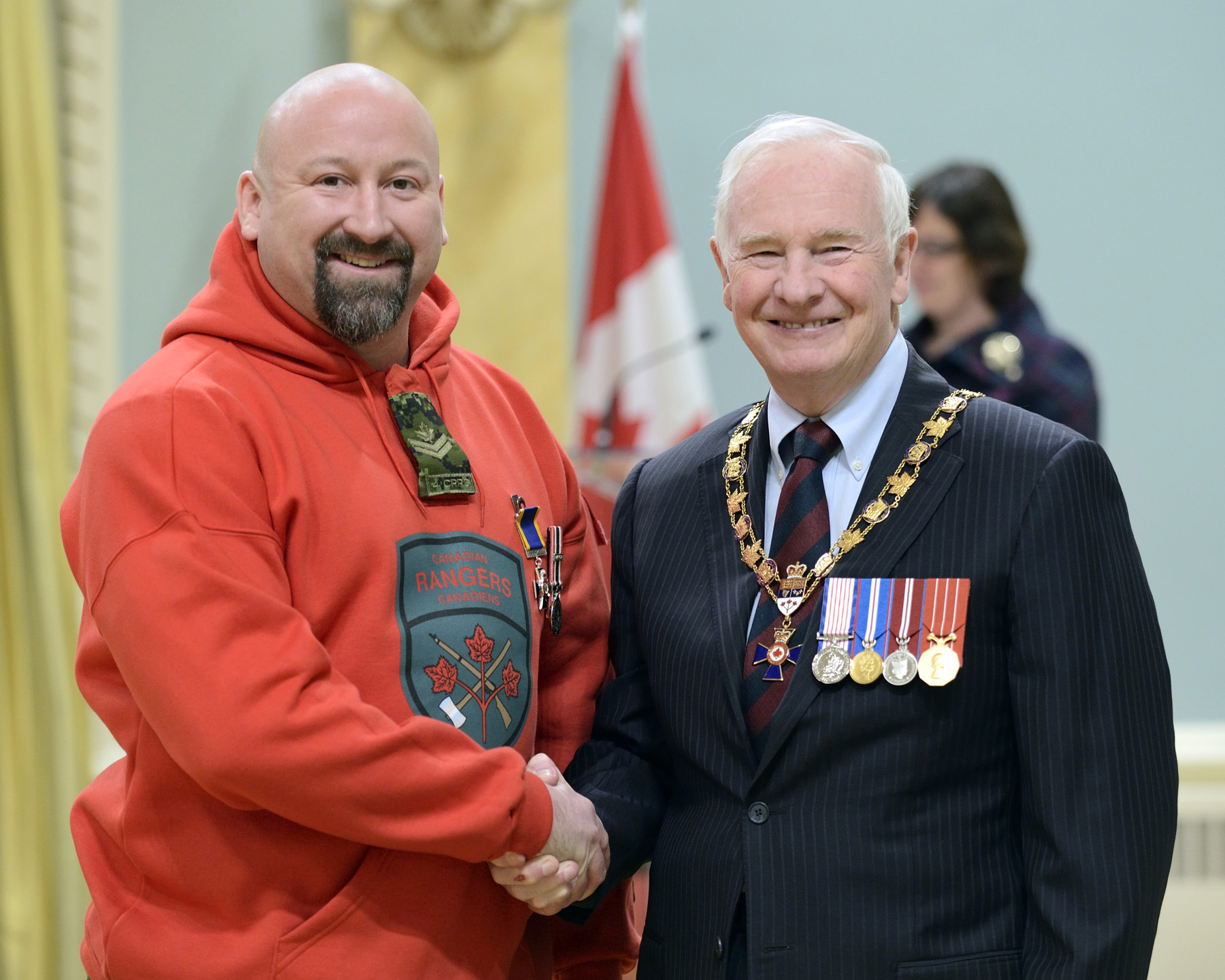 His Excellency presented the Order of Military Merit at the Member level (M.M.M.) to Master Corporal Pierre Bernier, M.M.M., 4th Canadian Ranger Patrol Group Detachment Winnipeg (Winnipeg, Man.).