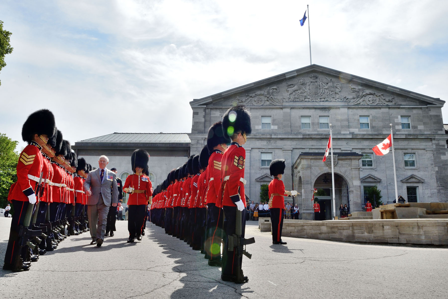 In addition to sentry duty at Rideau Hall, they perform the Changing of the Guard ceremony on Parliament Hill each day at 10 a.m., and fulfill sentry duties at the Tomb of the Unknown Soldier, located at the National War Memorial, from 9 a.m. to 5 p.m. daily. When required, the Ceremonial Guard mounts guards of honour for visiting dignitaries.