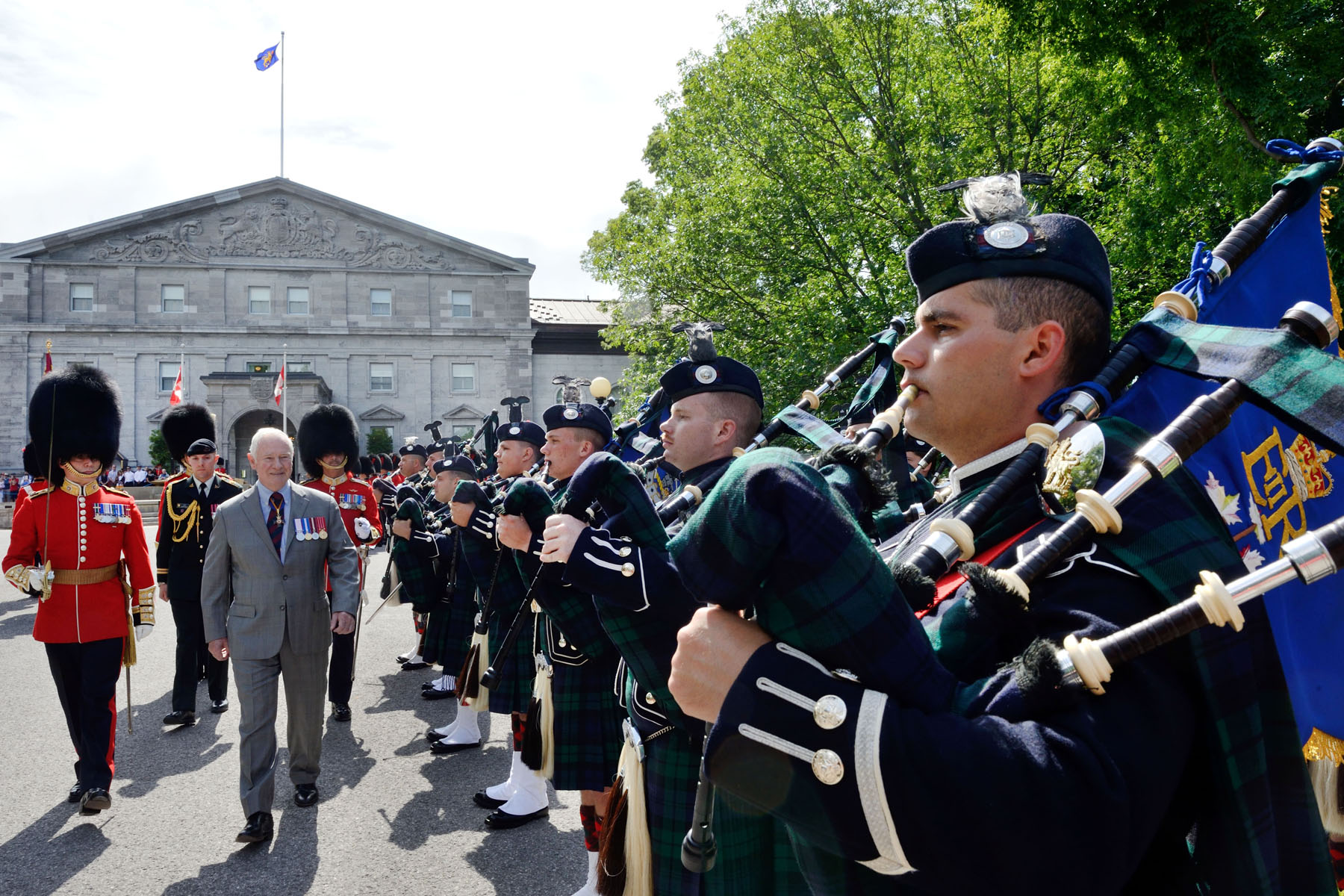 The Governor General of Canada > Photos > Inspection of ...