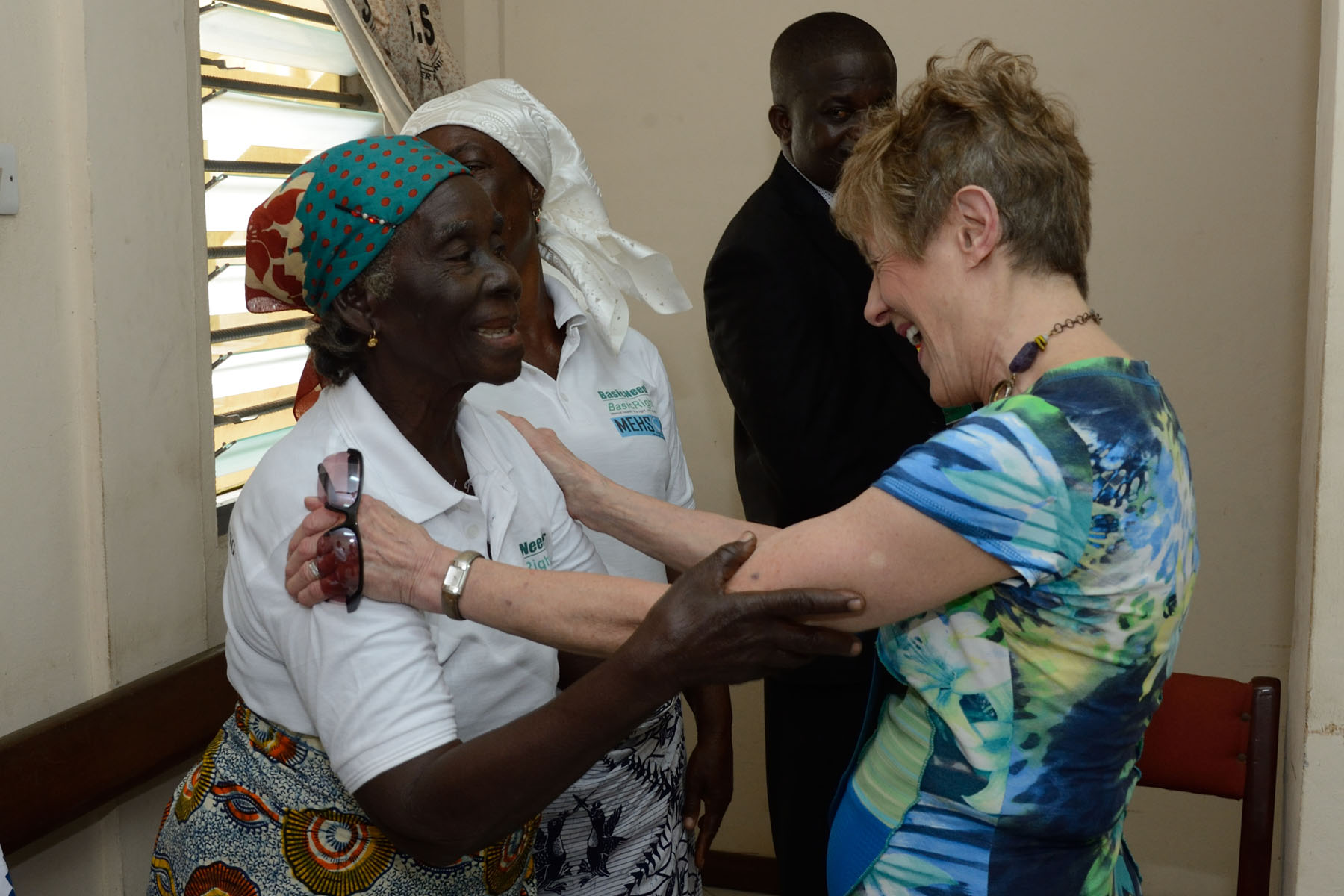 Her Excellency toured the psychiatry section of the hospital and met with staff.