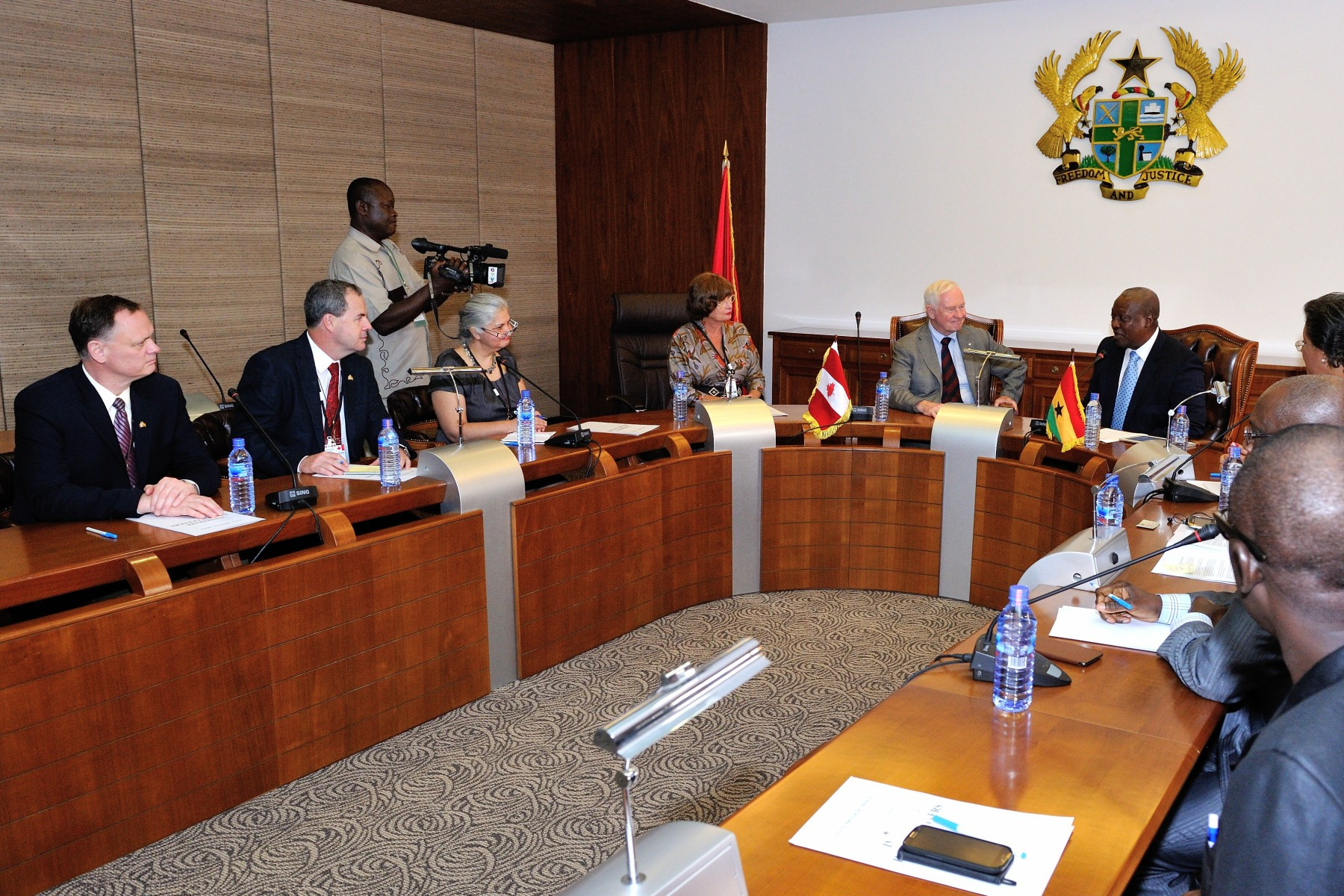 An expanded meeting with the official and accompanying delegations also took place.