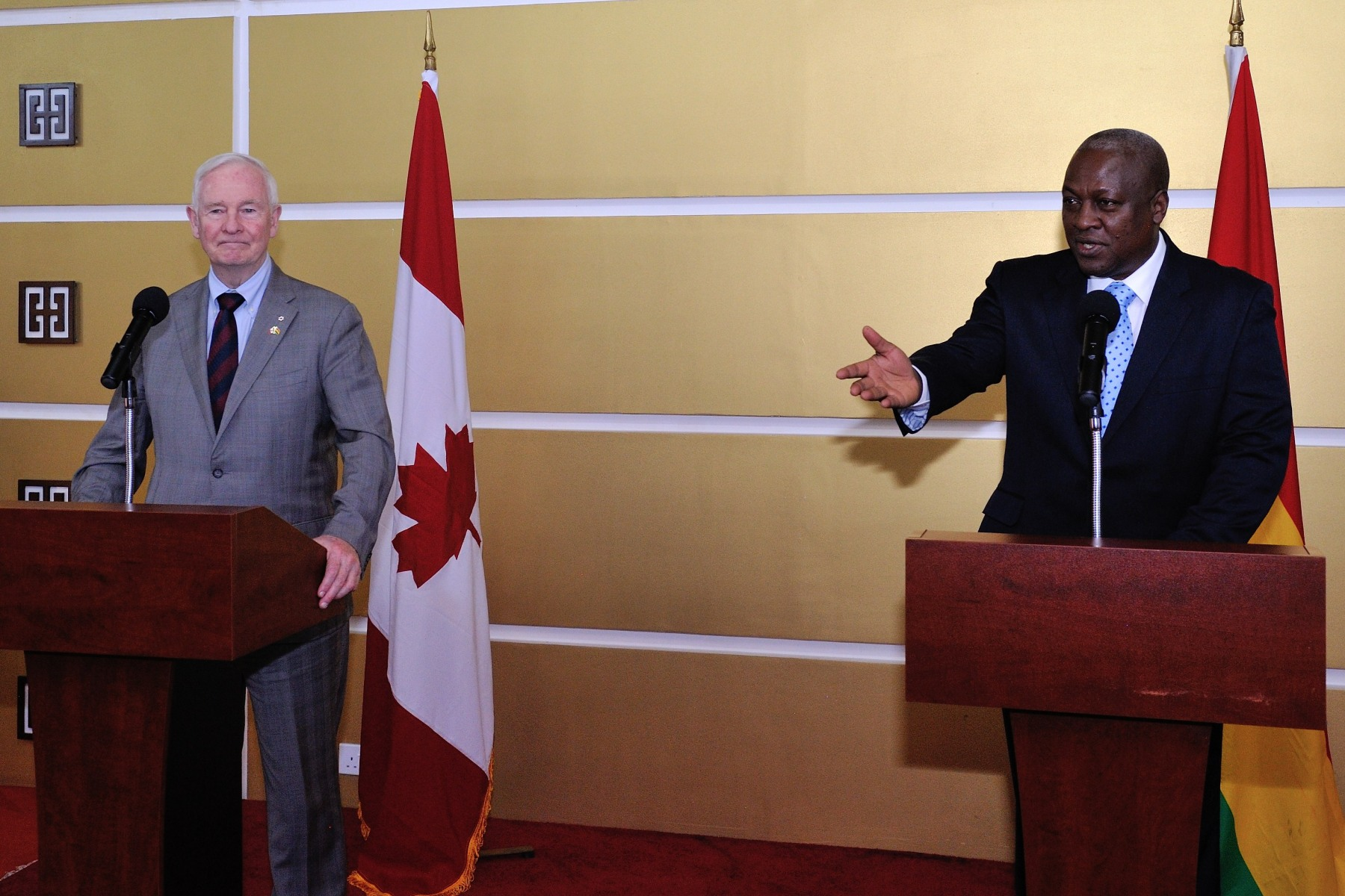 Following their meeting, the Governor General and the President delivered a joint statement and answered questions from members of the media.