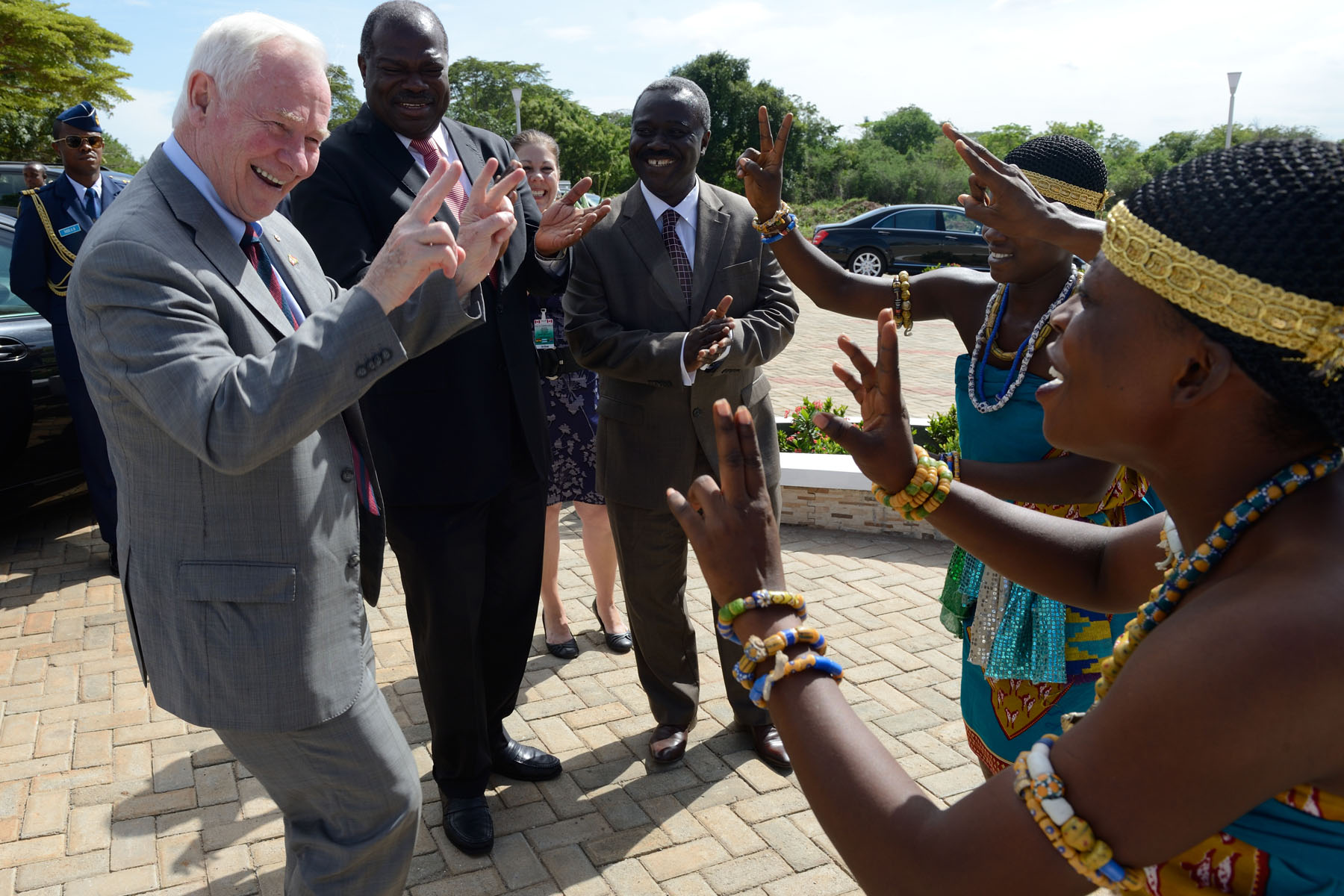 In the afternoon, His Excellency was welcomed to the University of Ghana by the Vice-Chancellor, Professor Ernest Aryeetey, and a group of dancers.