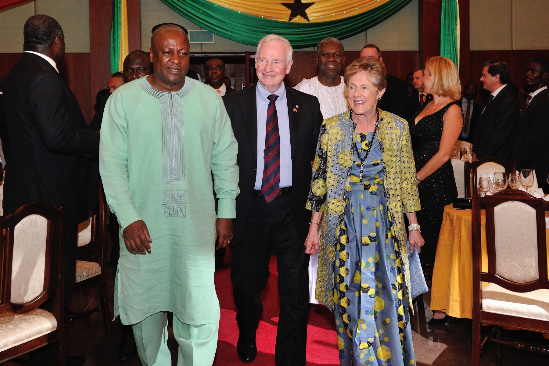 In the evening, Their Excellencies attended a State dinner hosted by the President of the Republic of Ghana.