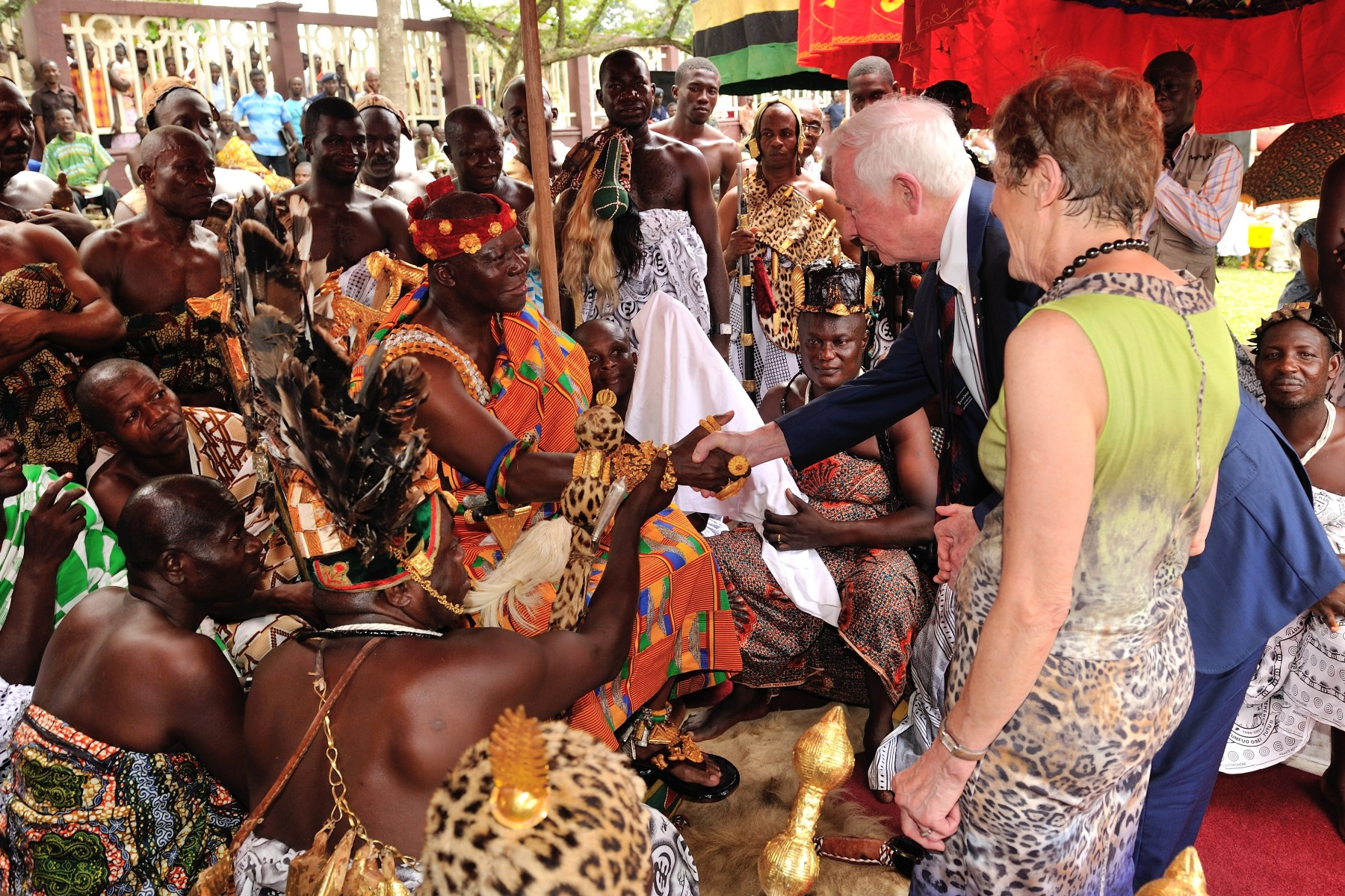Their Excellencies met Otumfuo Osei Tutu II, 16th King of the Kingdom of Ashanti, during the durbar.