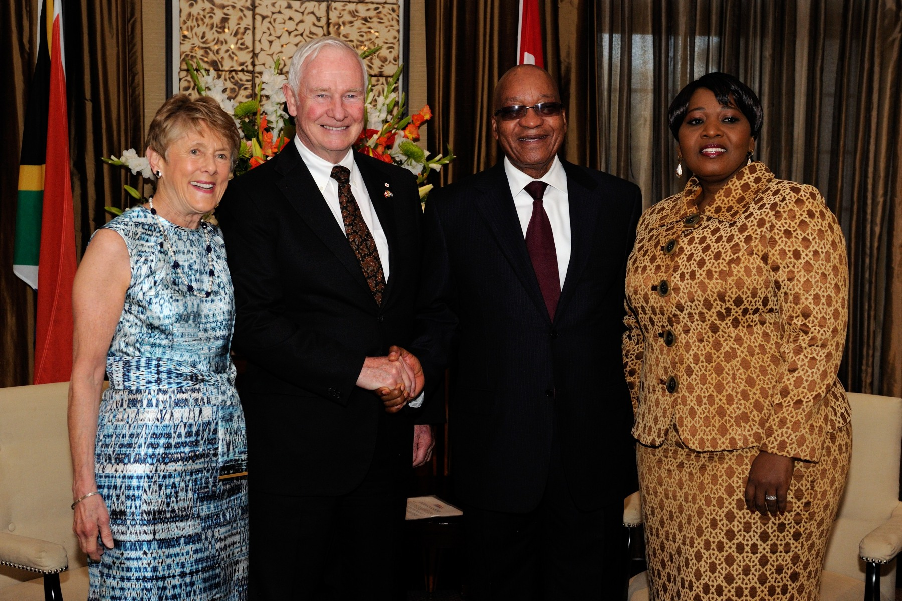 During the courtesy call, Their Excellencies met with the President and his spouse, Mrs. Bongi Ngema-Zuma. They discussed the progress made in South Africa since the end of apartheid to build a democratic and inclusive society.