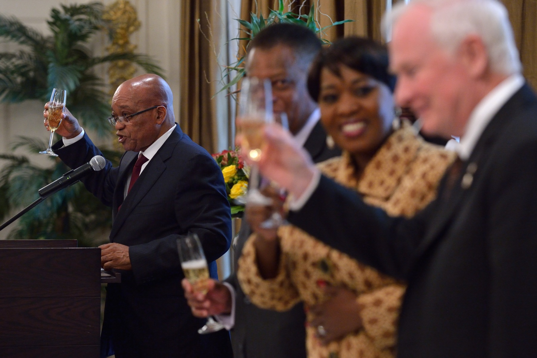On the occasion of Their Excellencies' visit to the country, the President of the Republic of South Africa hosted a State luncheon. The Governor General and the President both delivered remarks.
