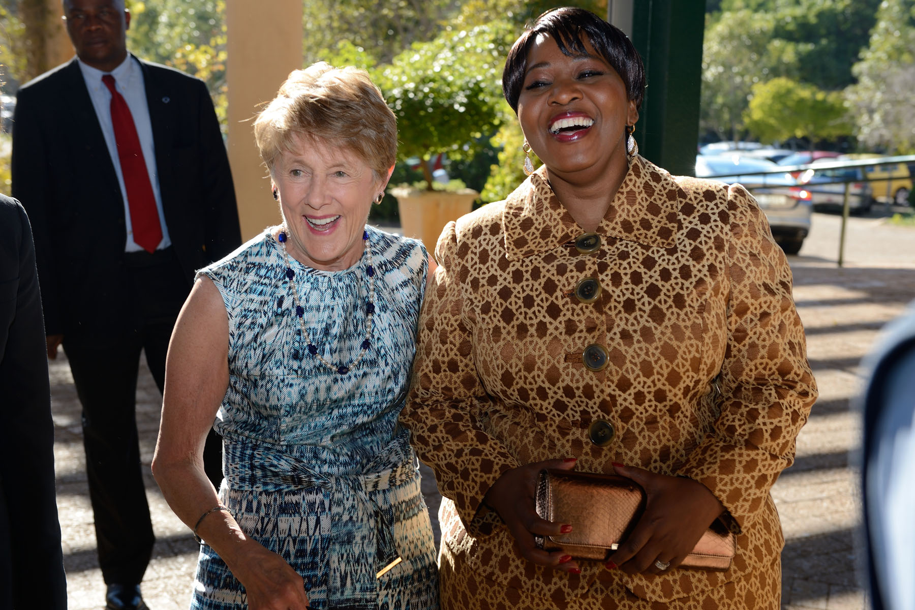 Her Excellency and Mrs. Bongi Ngema-Zuma visited the Kirstenbosch Botanical Gardens, which are dedicated to preserving the fynbos genus of plants. The genus is unique to the Western Cape, yet contains one of the greatest number of plant species in the world.