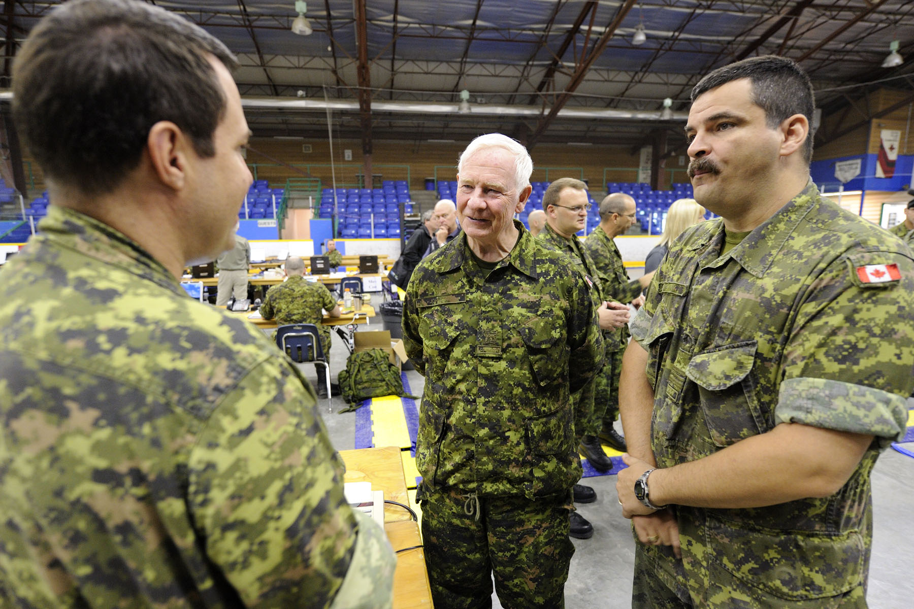 His Excellency met with Canadian Armed Forces members working at the headquarters.