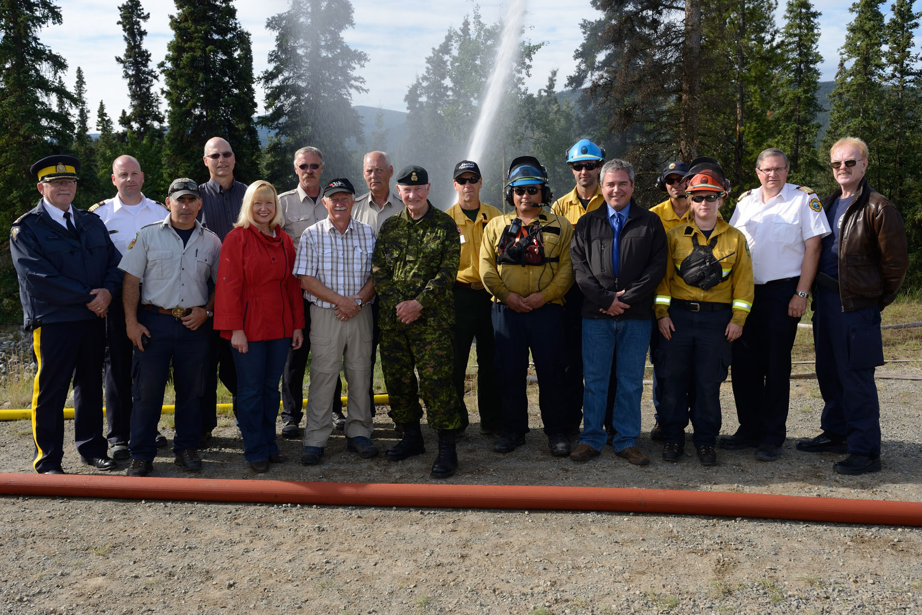 His Excellency posed with territorial and municipal authorities also participating in Operation NANOOK.