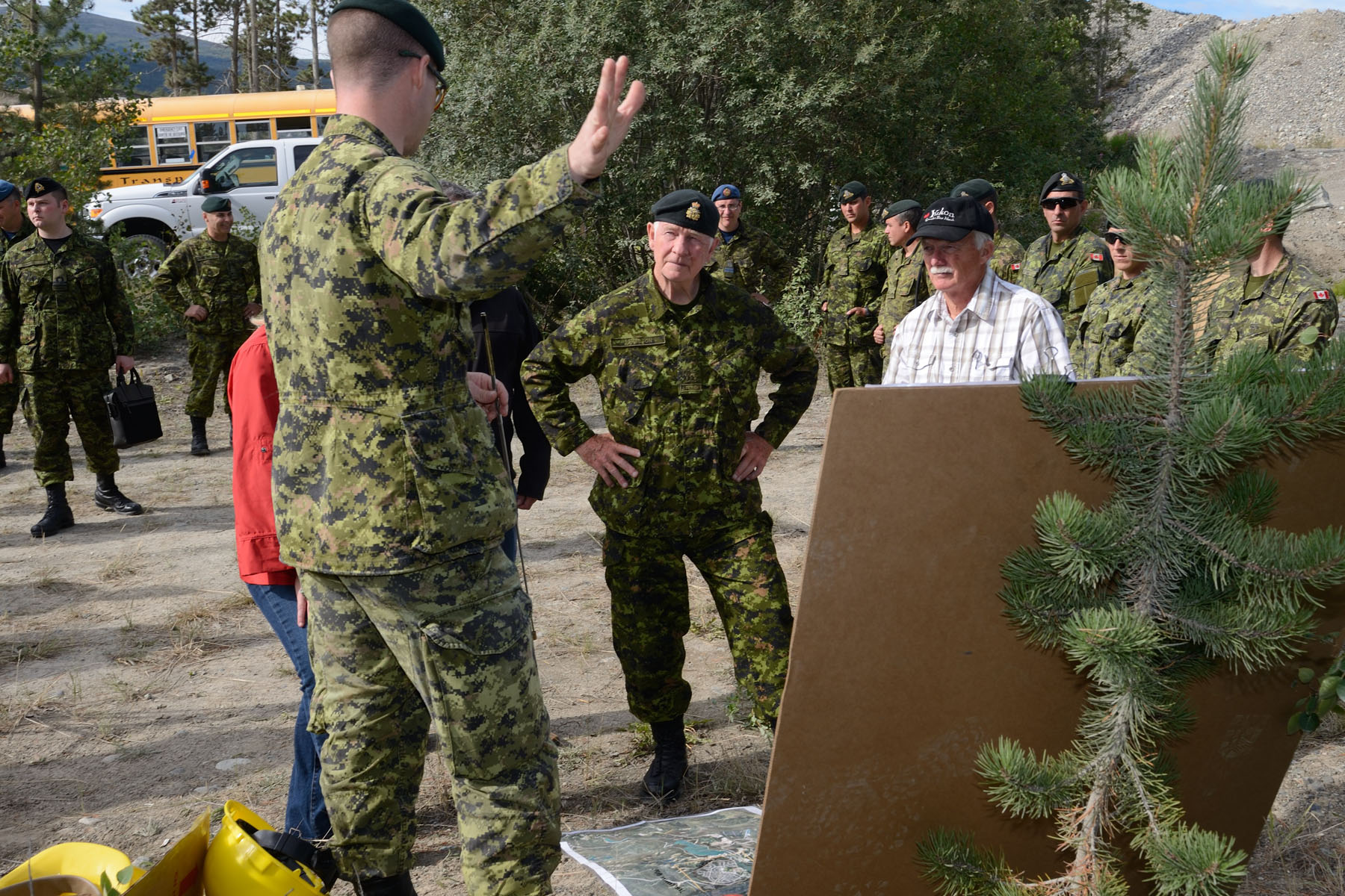 During his visit, the Governor General had the opportunity to witness first-hand the work of the Canadian Armed Forces in collaboration with territorial and municipal authorities during Operation NANOOK.