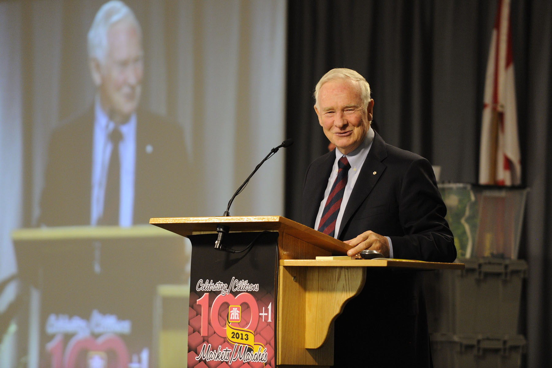 During a one-day visit to the Waterloo region, His Excellency the Right Honourable David Johnston, Governor General of Canada, delivered a speech at the Home Hardware Stores Limited Annual Fall Market. In his speech, he will underscore Home Hardware's ongoing commitment to serving local communities across the country.