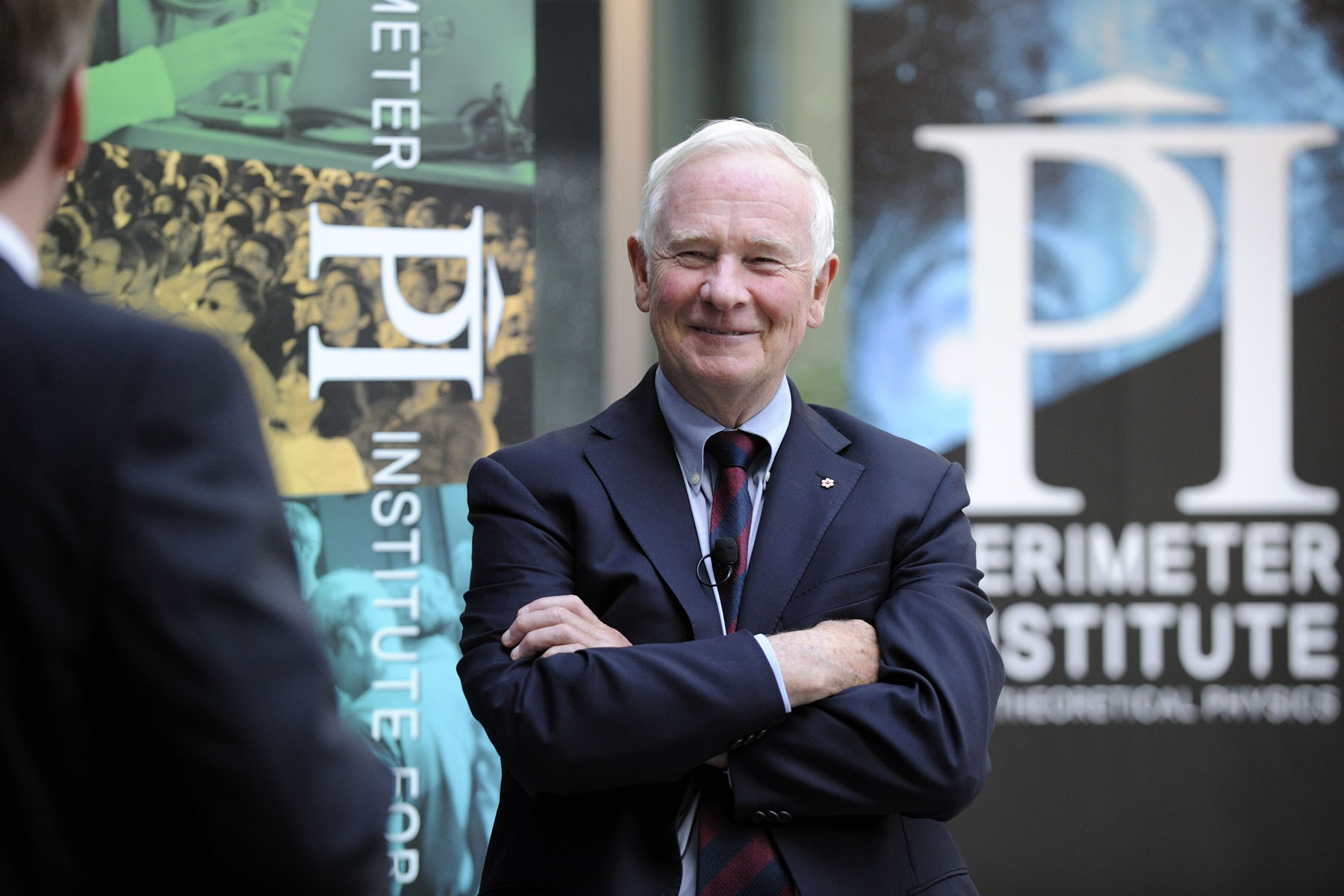 In the afternoon, the Governor General proceeded to the Perimeter Institute for Theoretical Physics where he previewed exhibits being featured in the upcoming BrainSTEM Festival, which will take place at the Institute and online from September 30 to October 6, 2013 (for the general public).