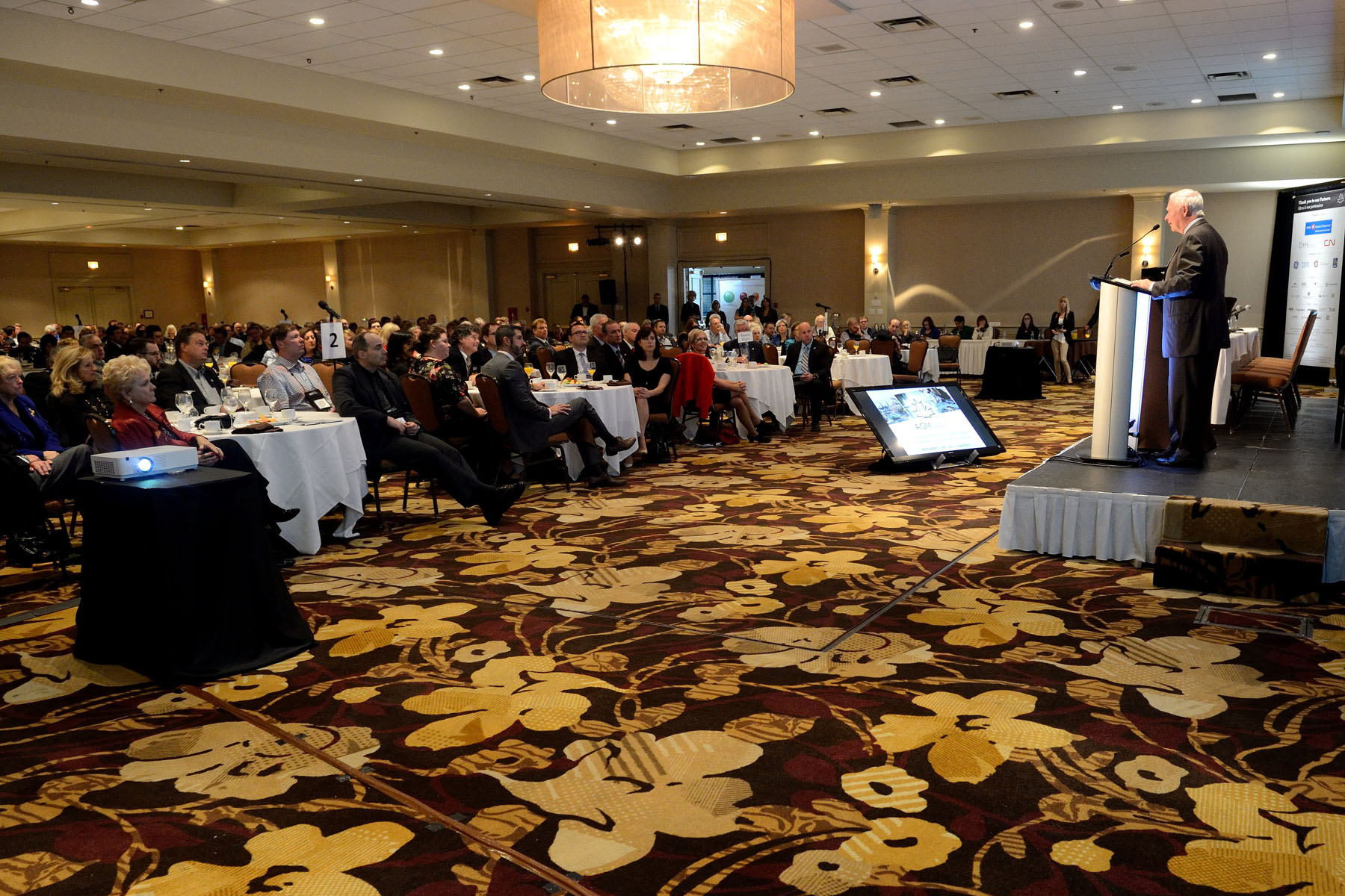 The Annual General Meeting of the Canadian Chamber of Commerce offers its members the opportunity to discuss issues of importance to the Canadian business community.