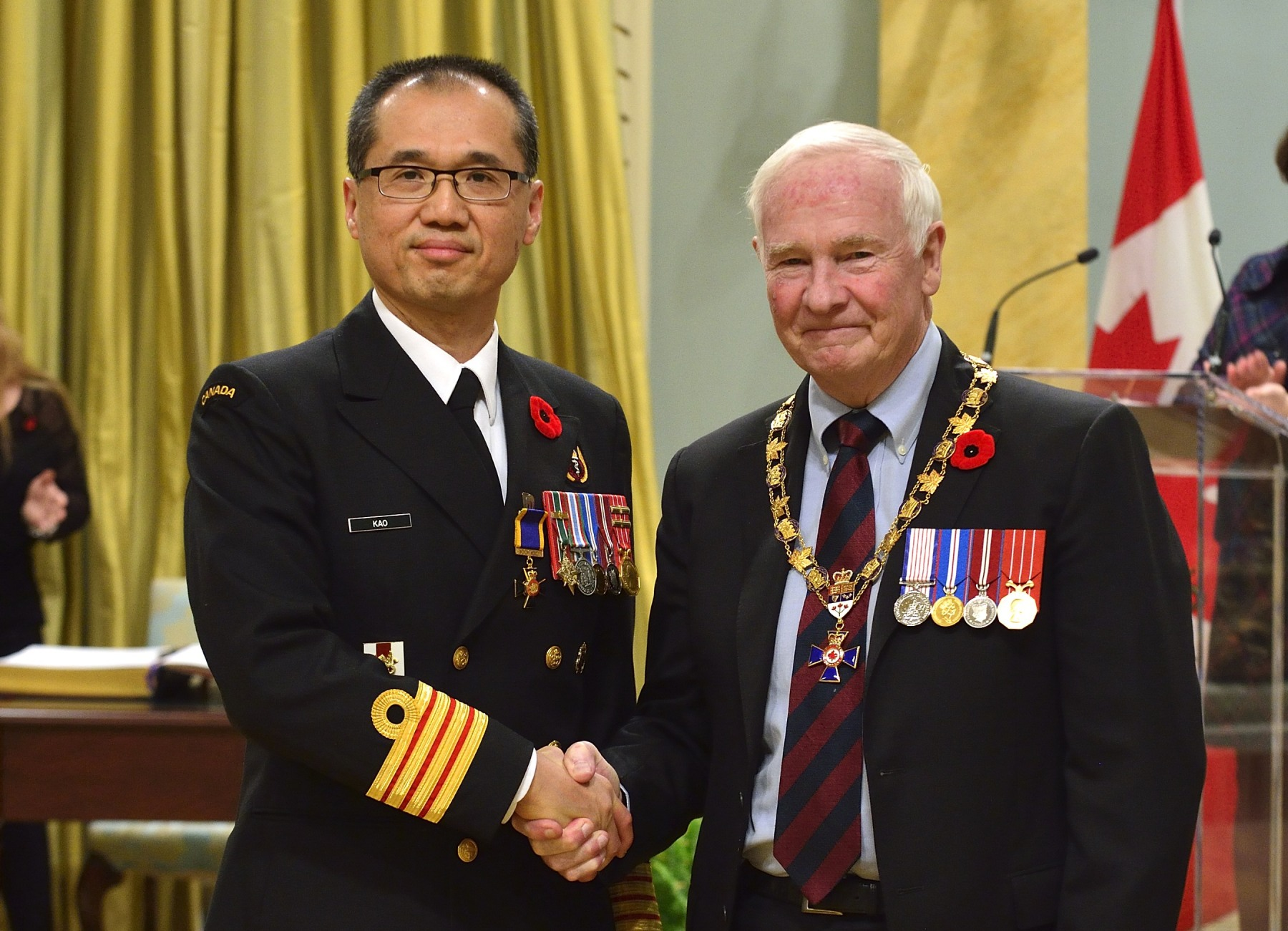 His Excellency presented the Order of Military Merit at the Officer level (O.M.M.) to Captain(N) Raymond Kao, O.M.M., C.D., 1 Canadian Field Hospital, Petawawa, Ont.