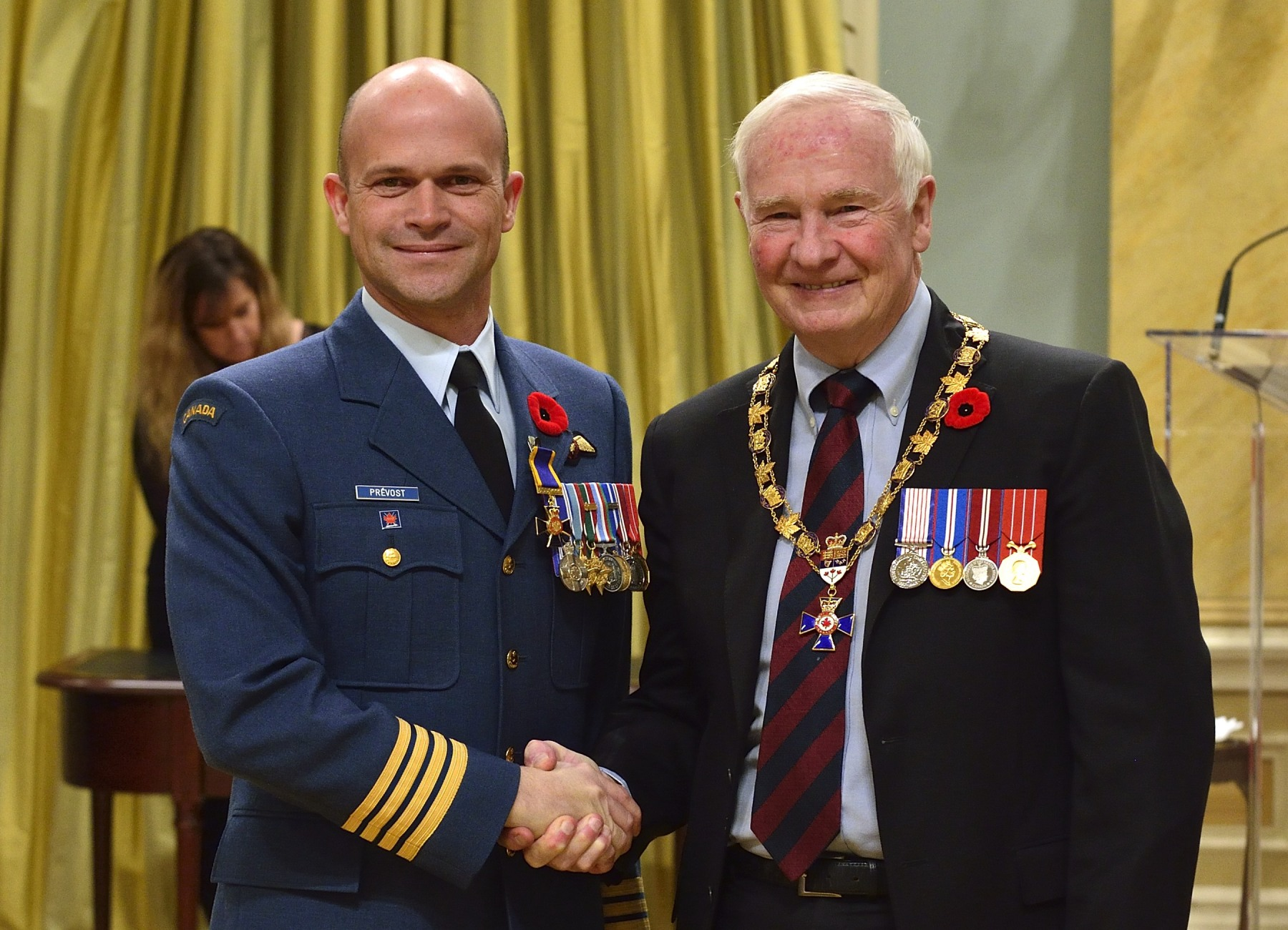 His Excellency presented the Order of Military Merit at the Officer level (O.M.M.) to Colonel Paul Prévost, O.M.M., M.S.M., C.D., 3 Wing, Alouette, Que.