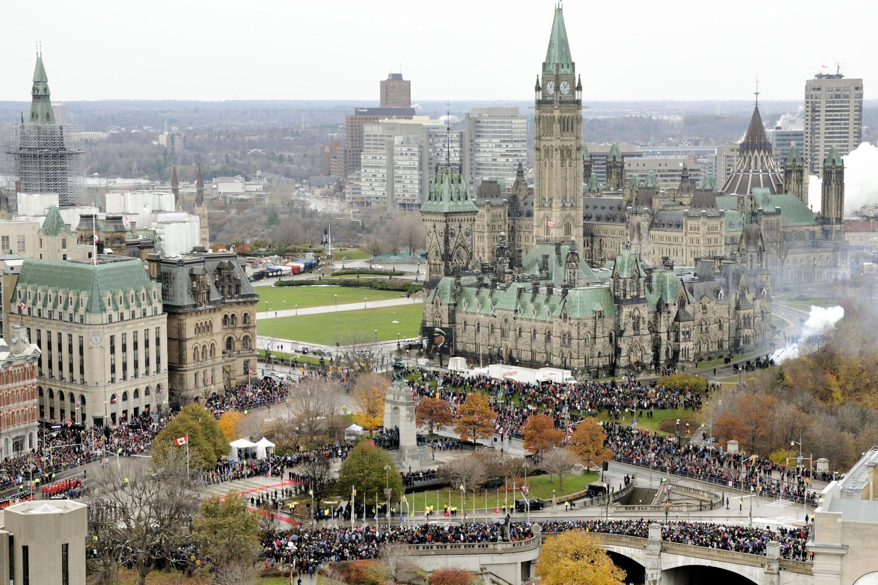 On November 11, 2013, thousands of people gathered in the nation's capital to pay tribute to fallen Canadian soldiers.