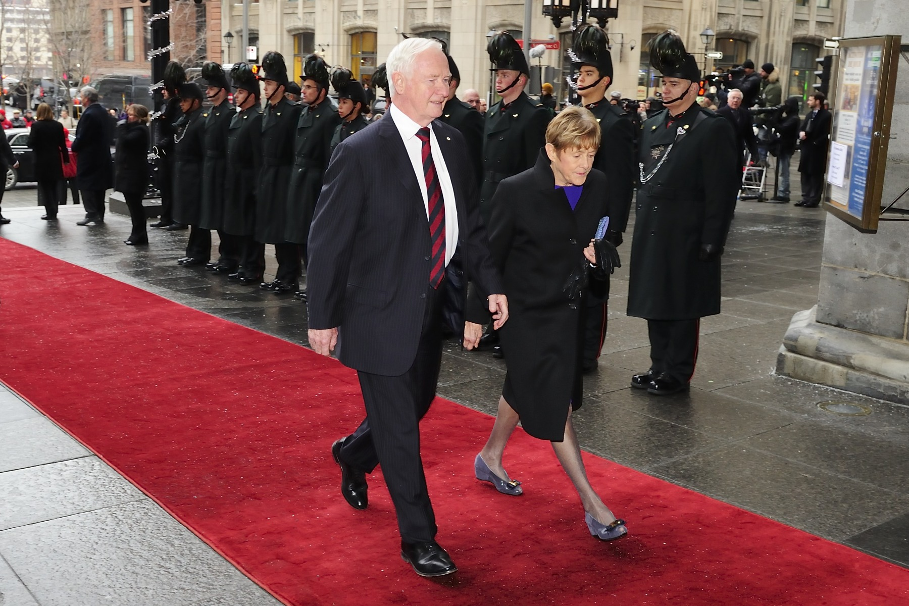 On December 3, 2013, Their Excellencies the Right Honourable David Johnston, Governor General of Canada, and Mrs. Sharon Johnston attended a commemorative ceremony for the late Paul G. Desmarais, P.C., C.C., O.Q.