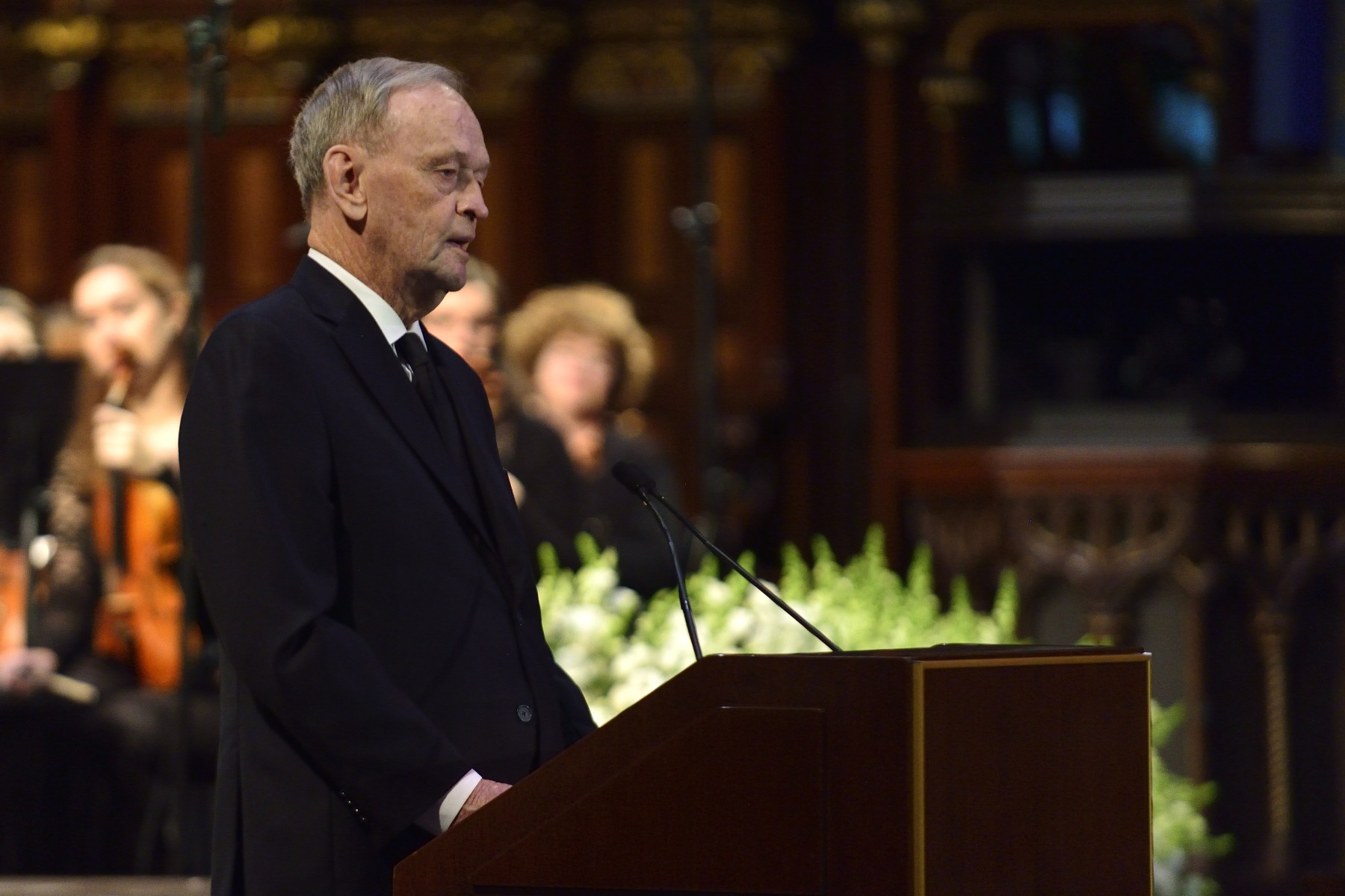 Former Prime Minister of Canada the Honourable Jean Chrétien (1993-2003) honoured this great Canadian businessman.