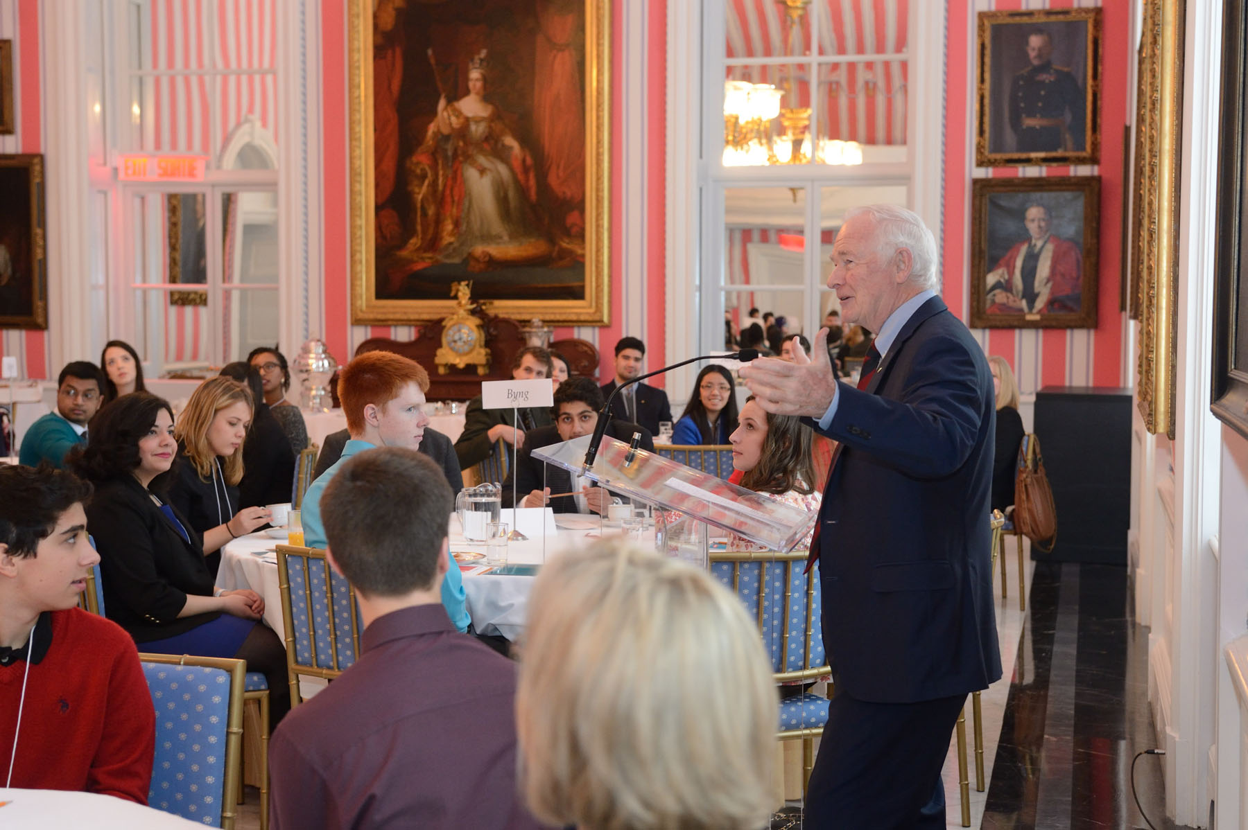 The Governor General hosted a one-day round-table discussion on youth engagement. He delivered opening remarks about the importance of building a smarter, more caring nation and how youth can take a more active role in their communities.