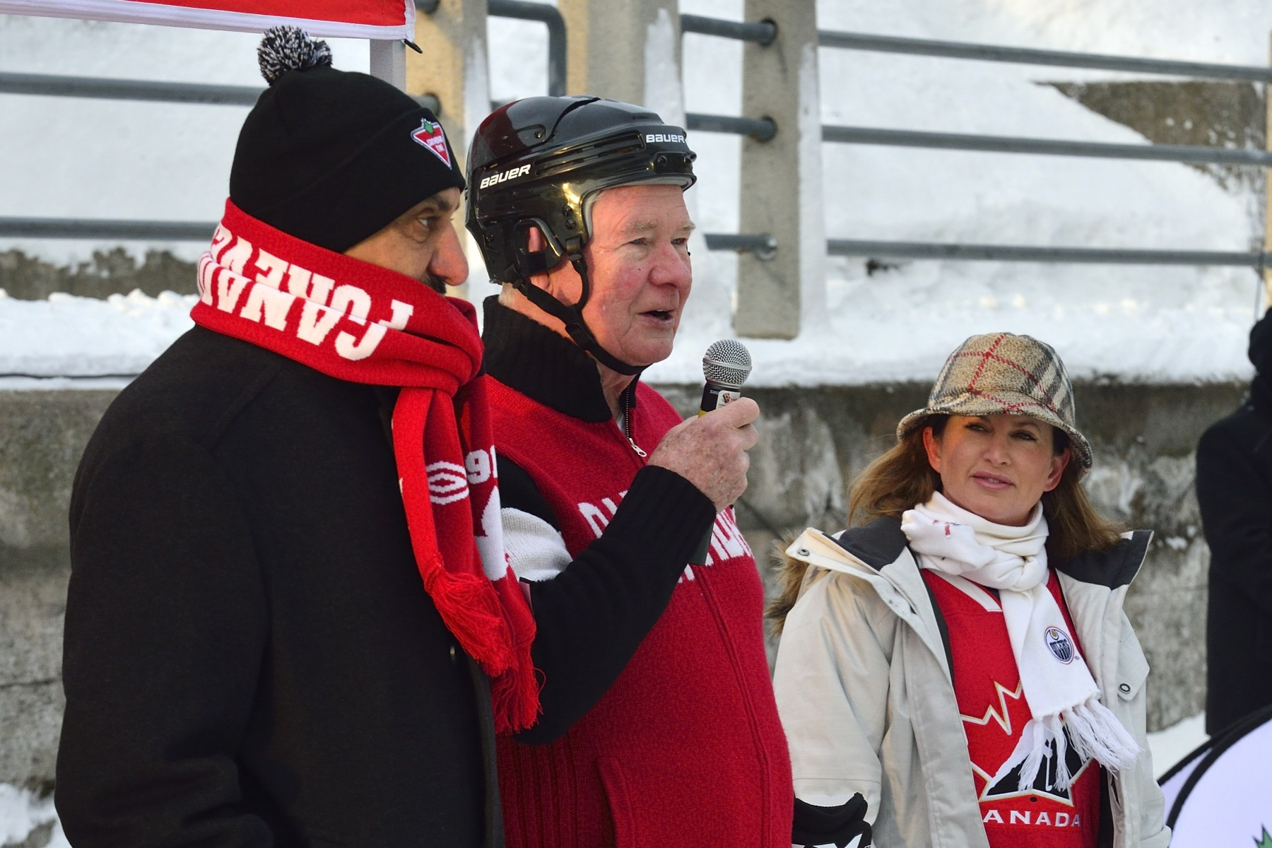 The Governor General gave brief remarks at the inaugural Canal Classic, in support of Canadian Tire Jumpstart Charities, on January 30, 2014, on Ottawa's Rideau Canal.