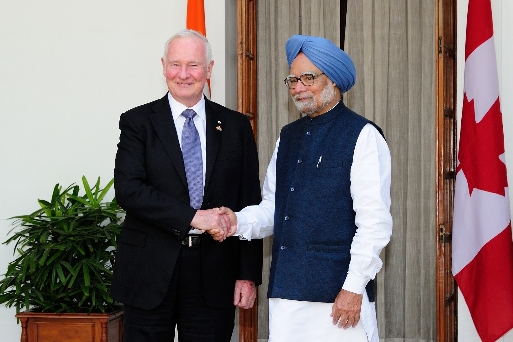 The Governor General also met with His Excellency the Honourable Dr. Manhoman Singh, Prime Minister of India, to discuss Canada-India's bilateral relationship.