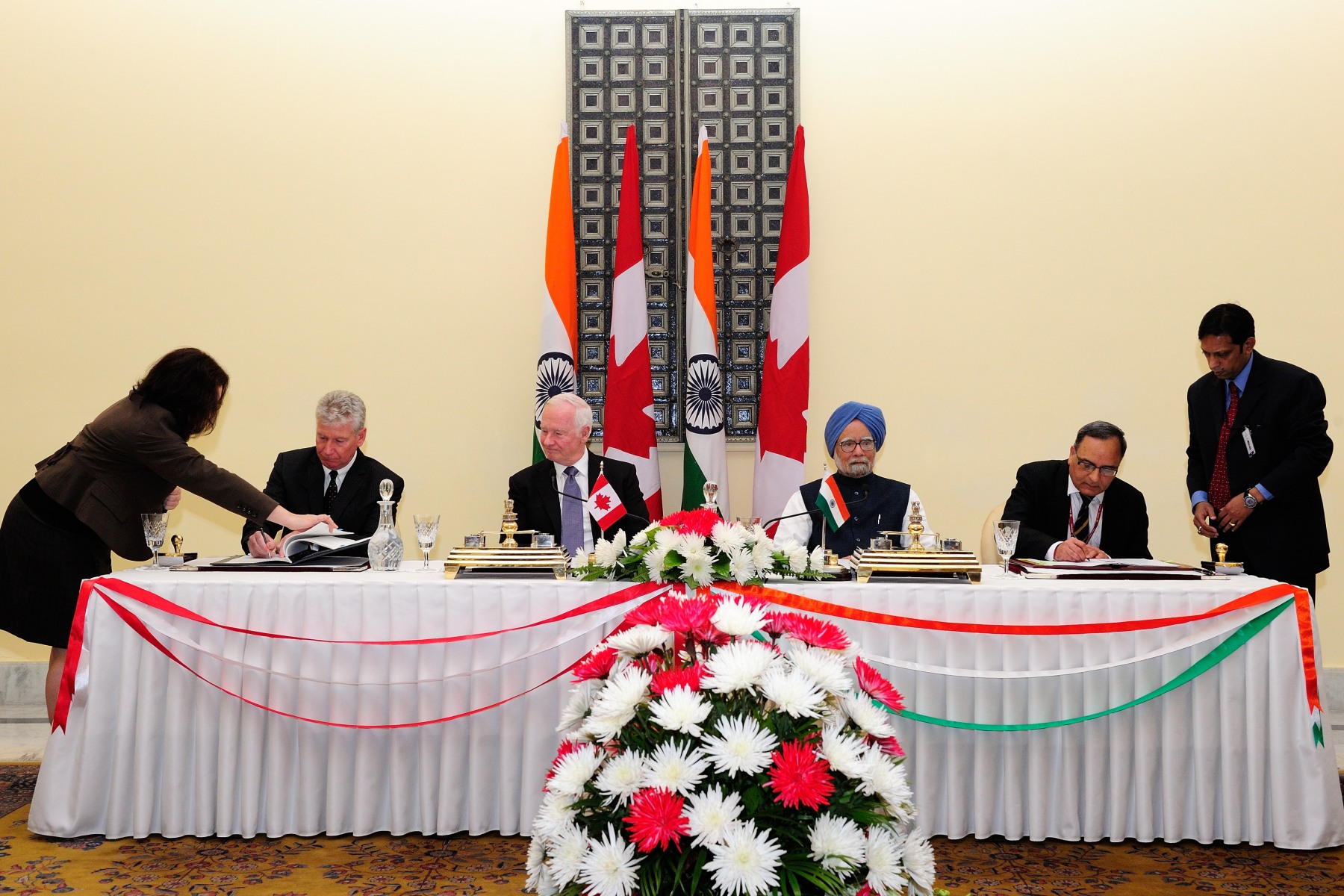 Among these was the signature of a Canada-India audiovisual coproduction agreement. Stewart Beck, Canada's High Commissioner in India (far left), and Manish Tewari, India's Minister of State (Independent Charge), Information and Broadcasting (far right), signed the documents.