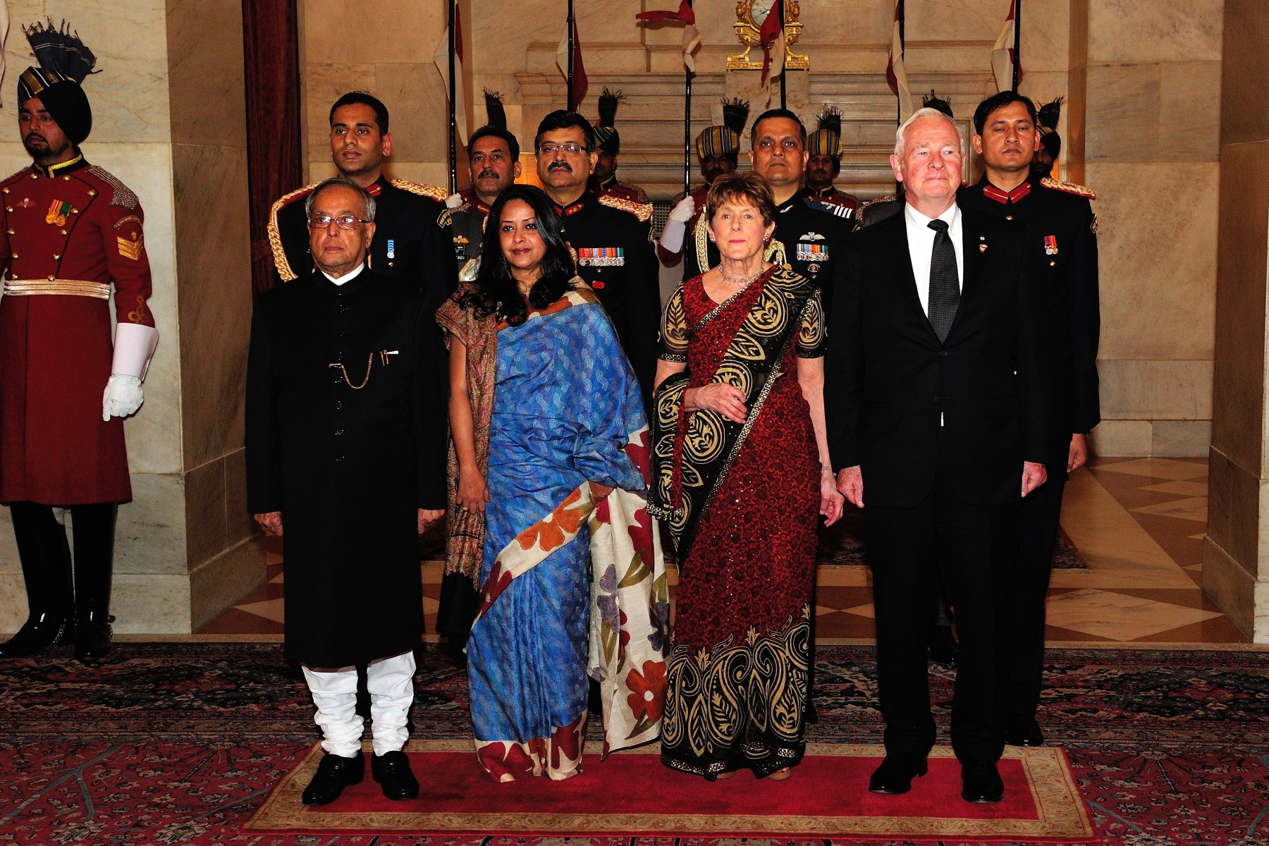 In the evening, Their Excellencies attended a State dinner hosted by the President of the Republic of India.