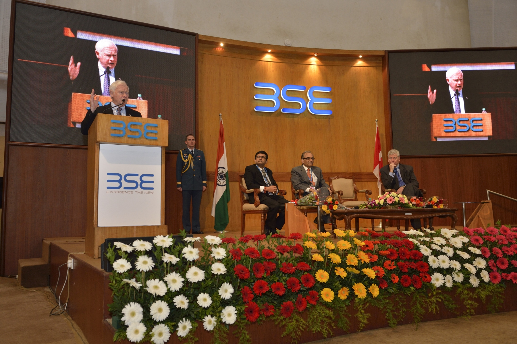 On the occasion of the opening of the stock market at the Bombay Stock Exchange, the Governor General addressed the business community, showcasing Canada as a trade and investment partner of choice for India.