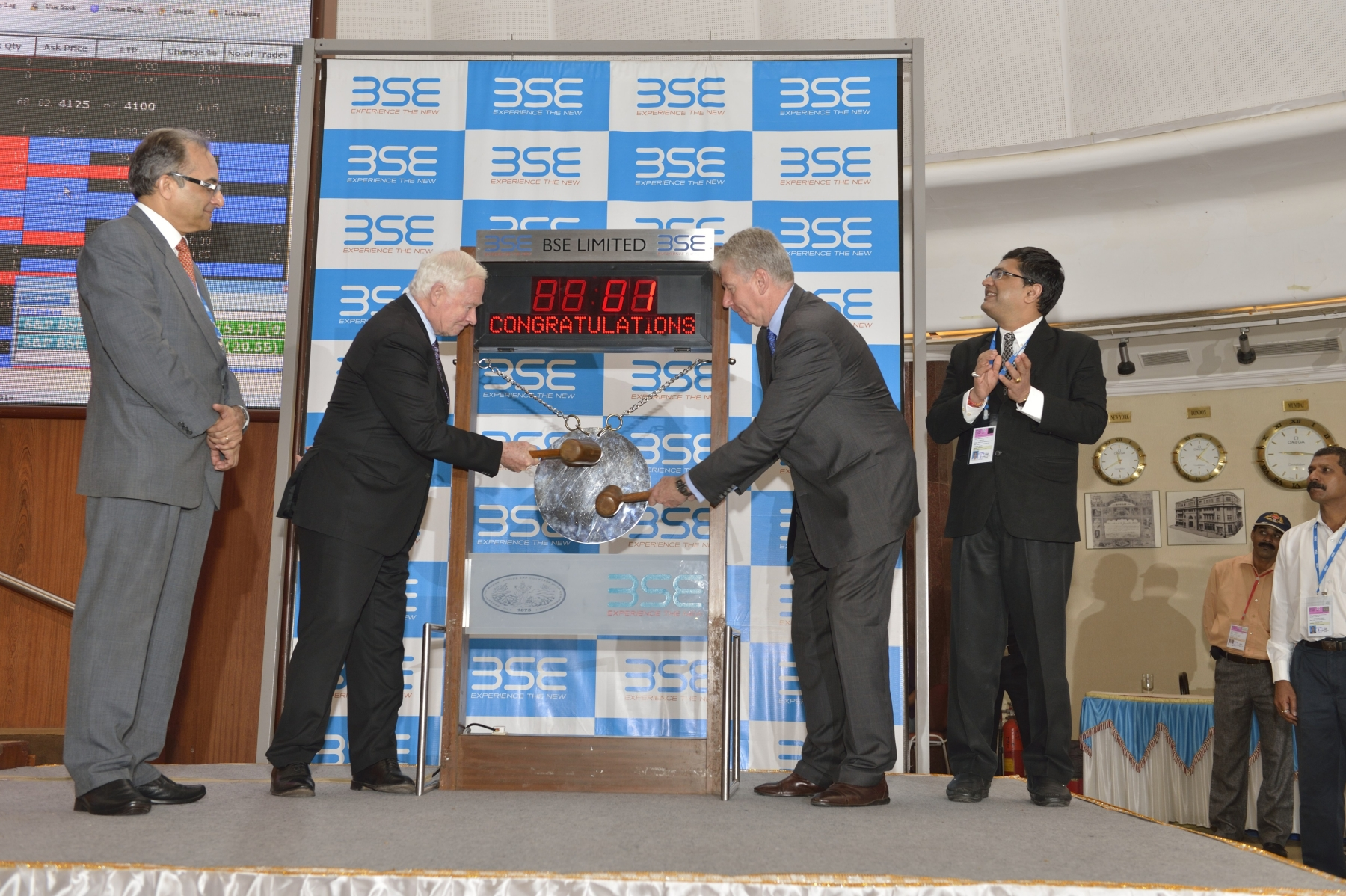 At 9:15 a.m., His Excellency and Canadian High Commissioner Stewart Beck (right) officially opened the stock market at the Bombay Stock Exchange (BSE) by hitting a gong.