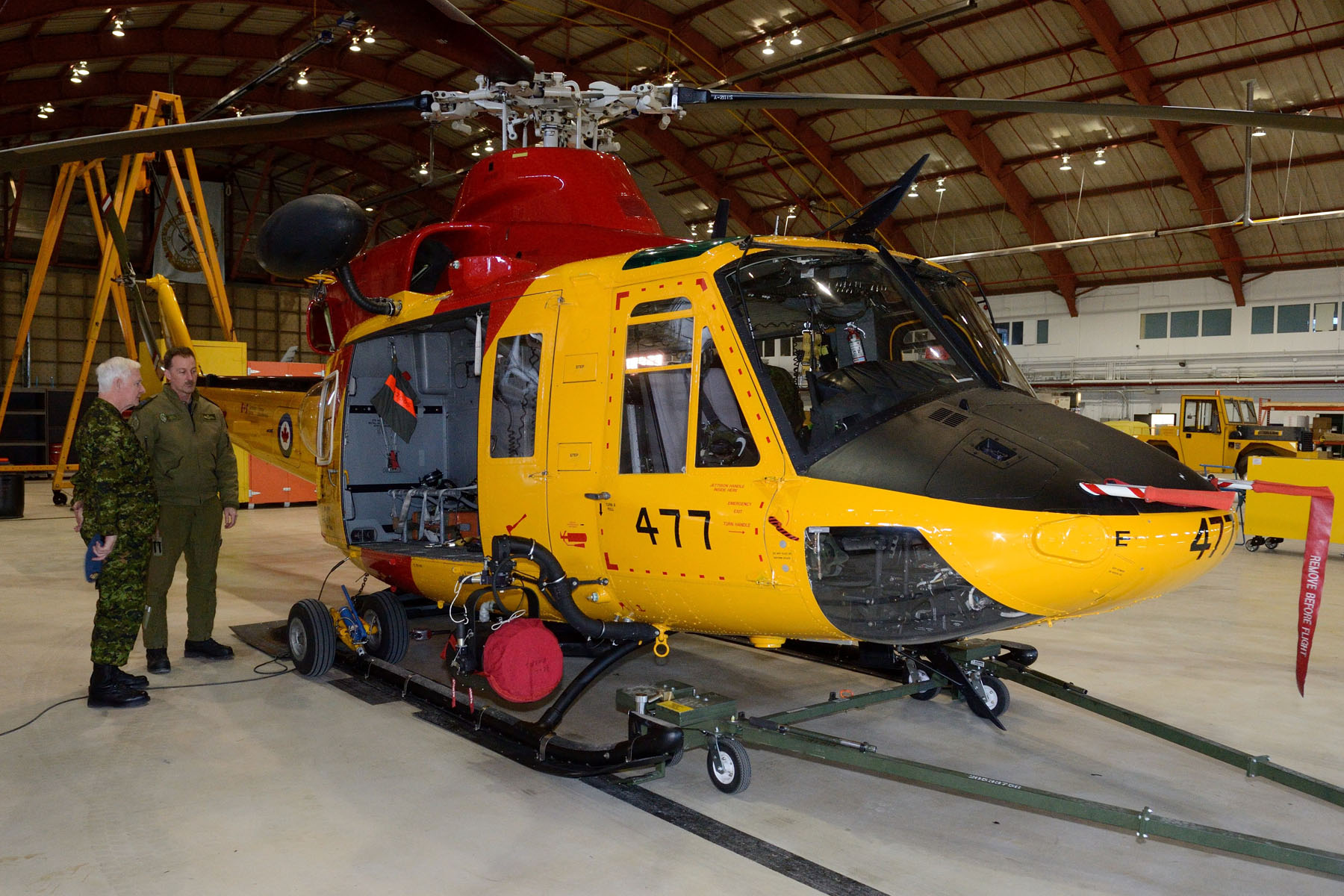 At the end of his visit, the Governor General viewed the CH-146 Griffon helicopter (search and rescue variant) display and met with crew members. 