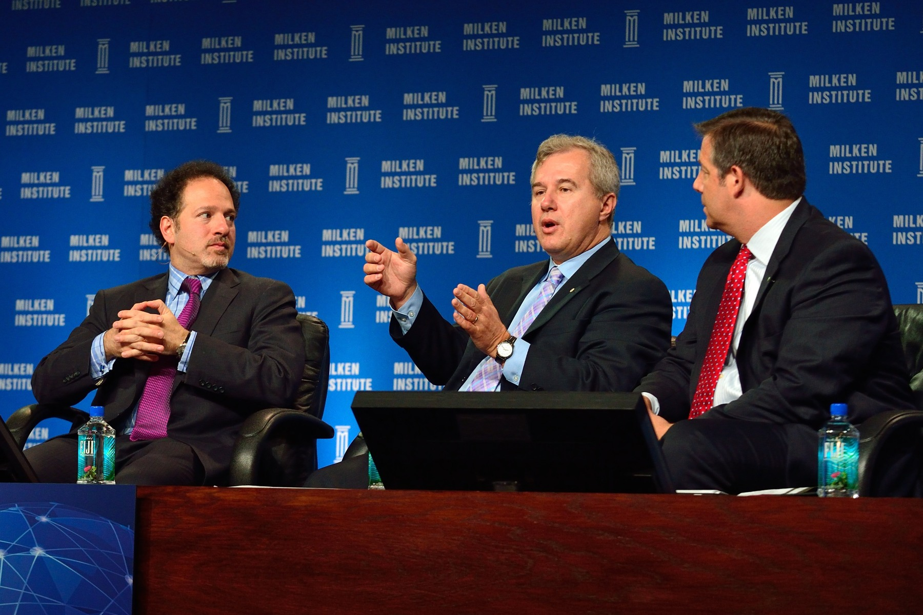 On April 29, 2014, His Excellency the Right Honourable David Johnston, Governor General of Canada, attended a panel discussion on innovation presented at the 2014 Milken Global Conference held in Los Angeles. The Conference welcomes 3 000 leading thinkers from disparate disciplines to exchange ideas and solve some of the world's toughest challenges. These high-powered CEOs, investors, innovators, policy-makers, philanthropists, educators and scientists challenge each other's thinking on topics from financial markets, economic development, energy, and global health, to public policy, education, media and technology.